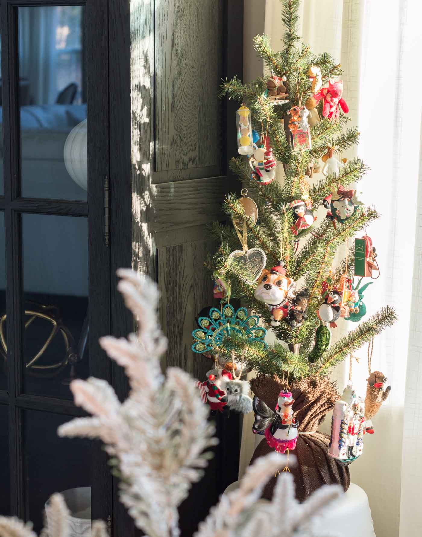 How to decorate a sentimental, special Christmas tree