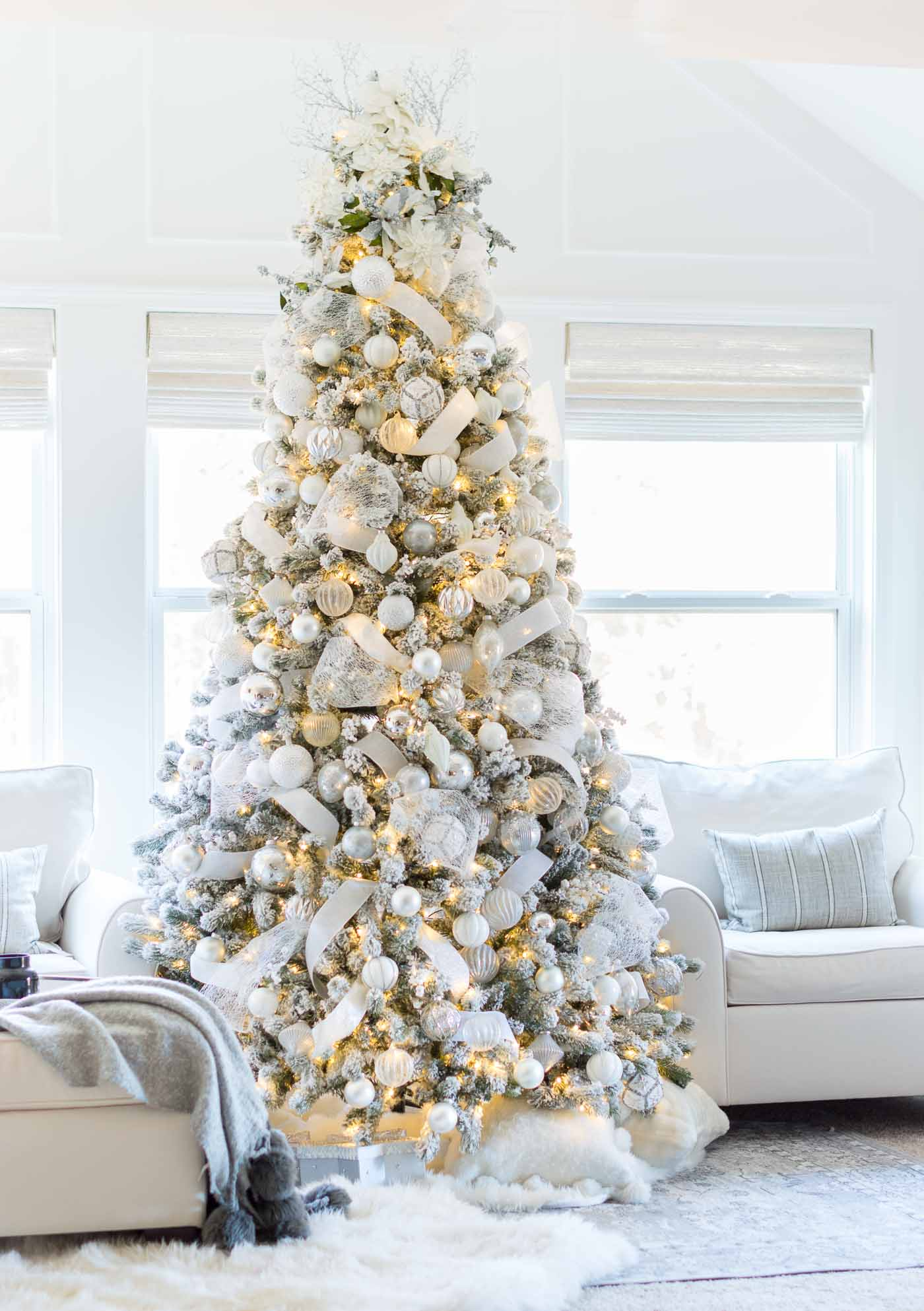 How to decorate a white snow flocked Christmas tree