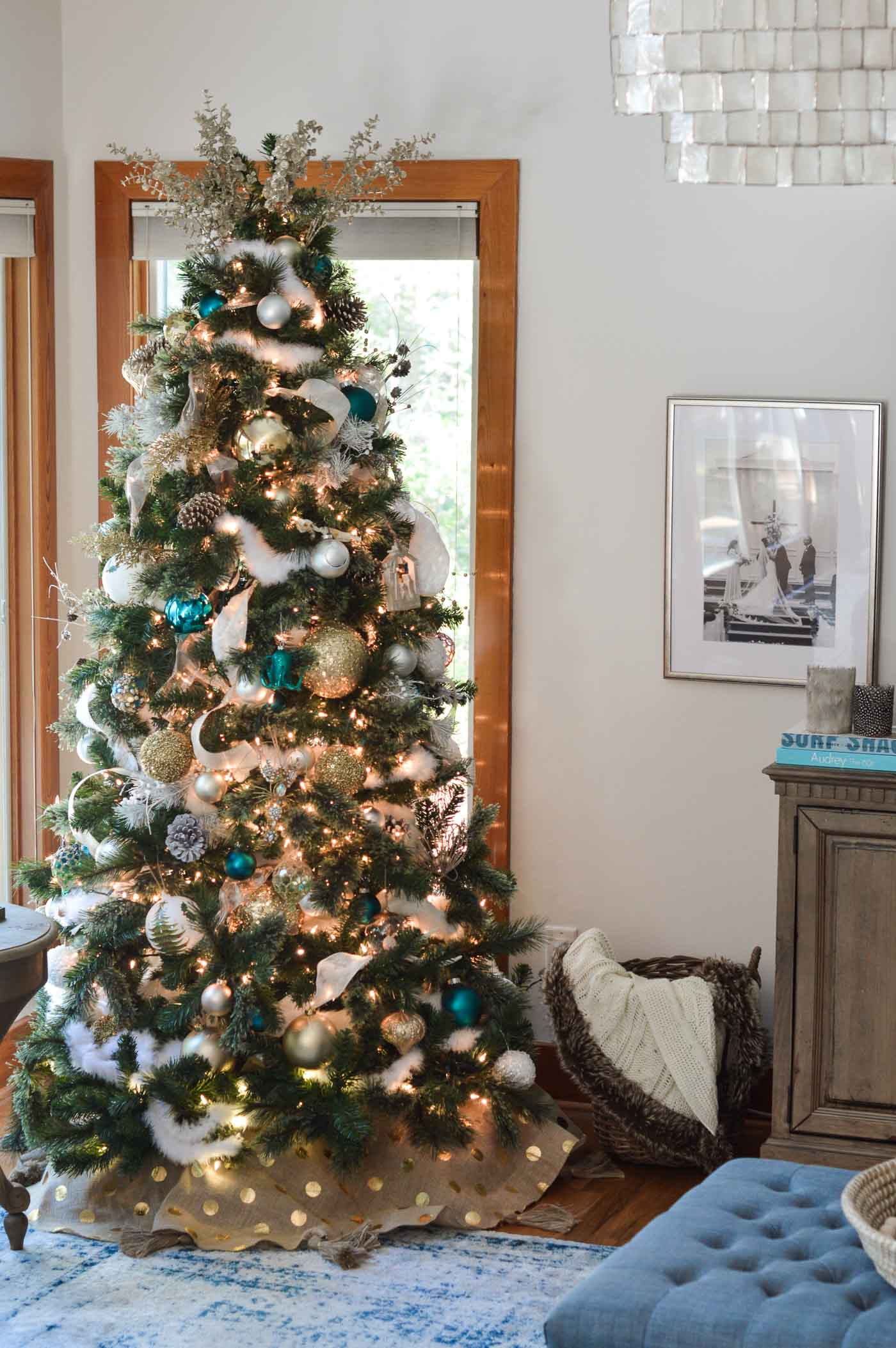 50 Christmas Tree Ideas with Different Themes and Colors