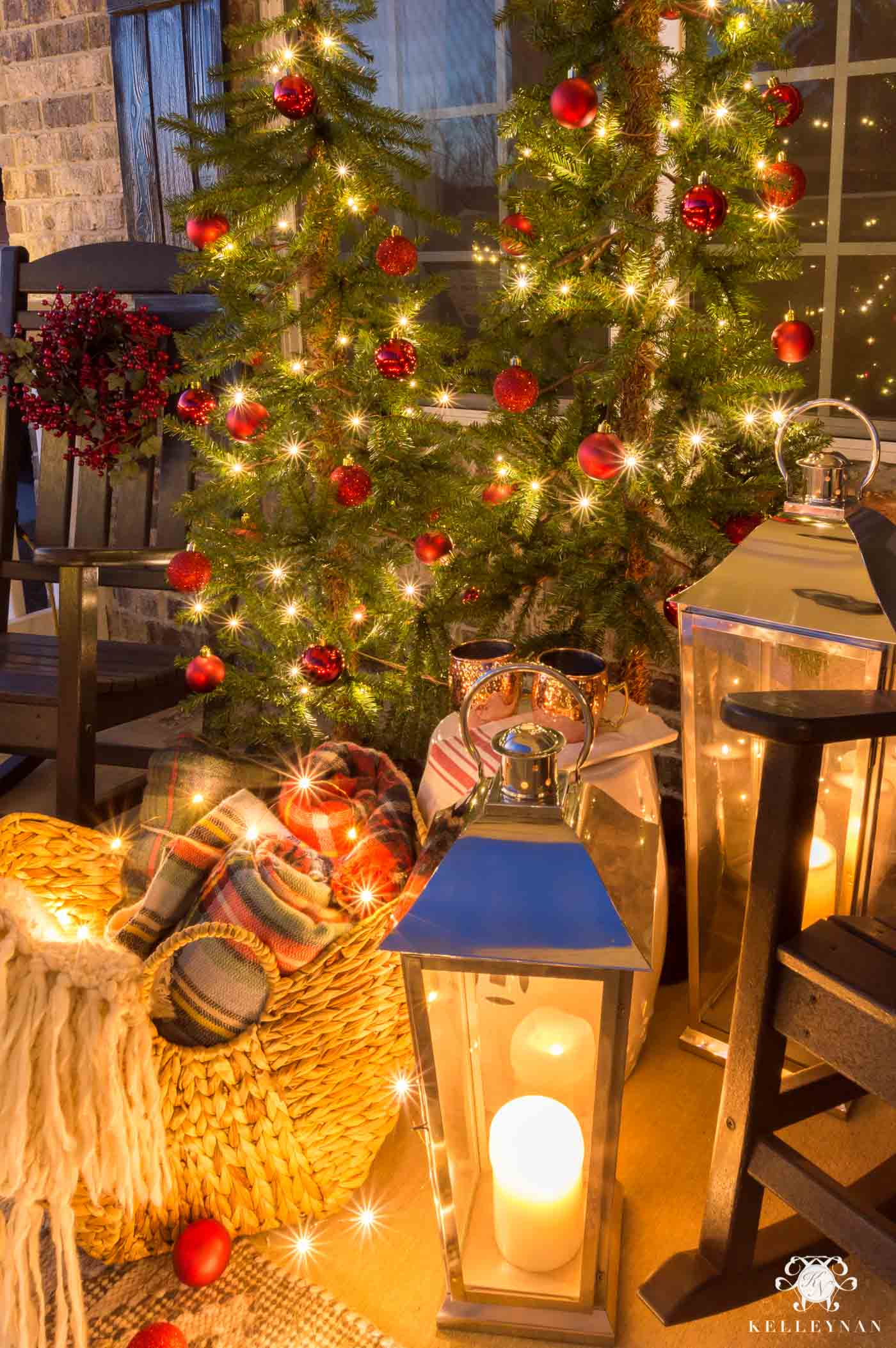 Front porch Christmas decorations and ideas
