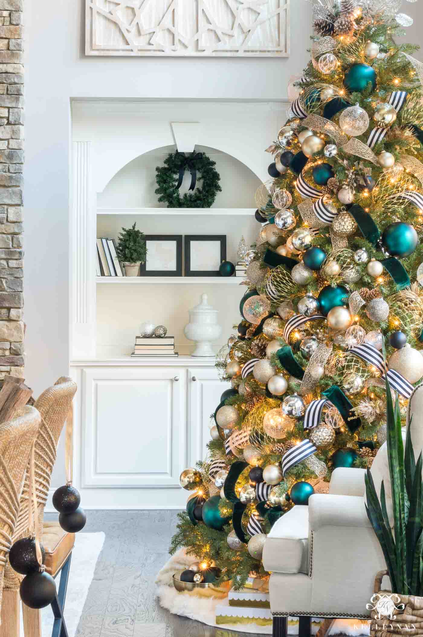 Tips to make your Christmas tree lights sparkle.