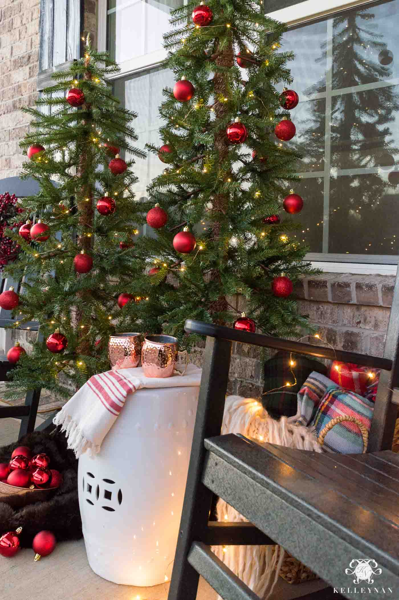 How to decorate a front porch for Christmas