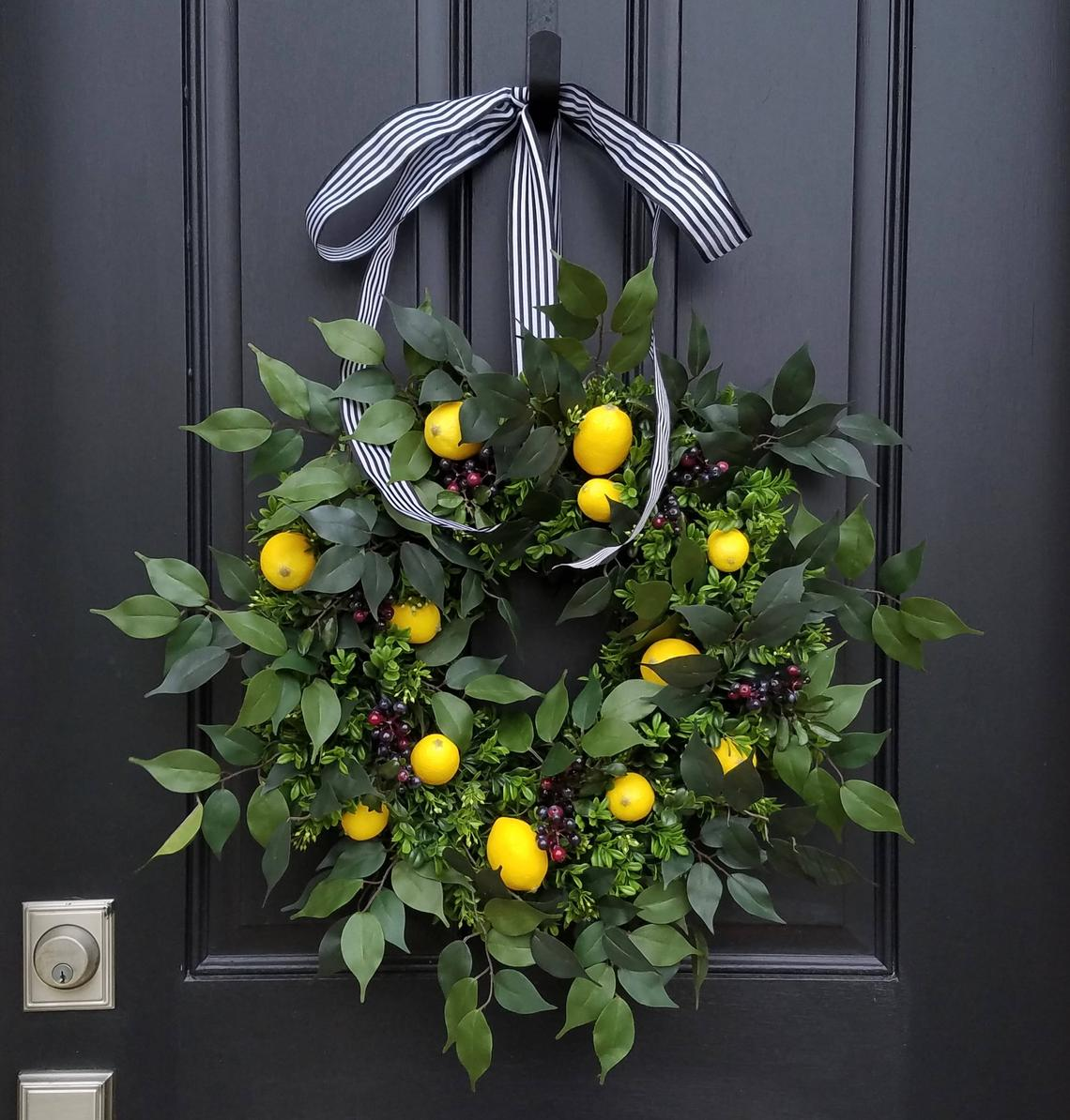 Pretty Spring Wreaths for the Front Door