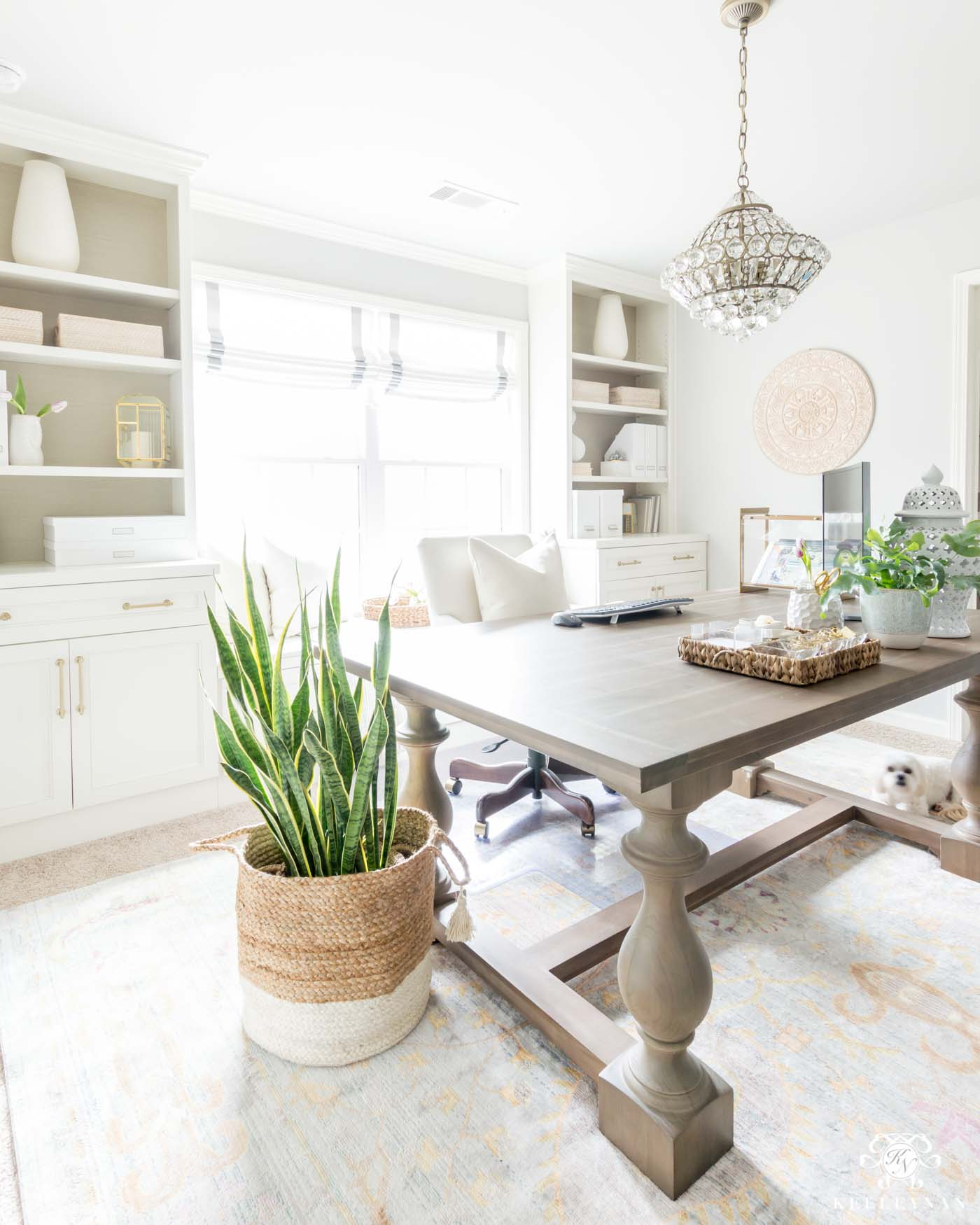 How to incorporate spring decor into your home office