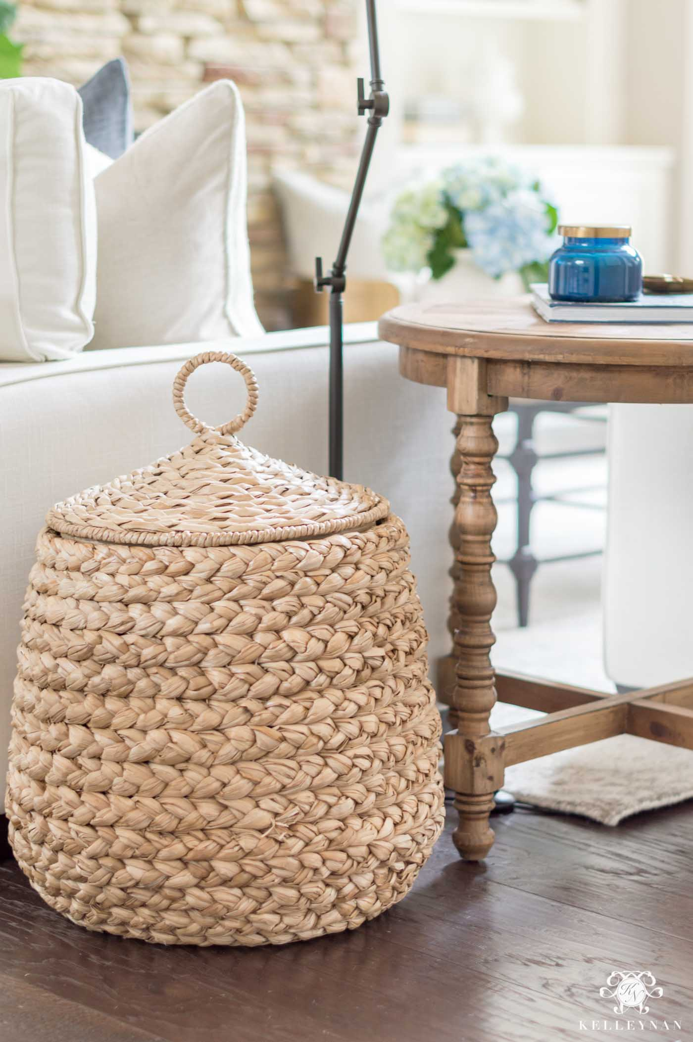 Basket and baby toy storage ideas in the living room