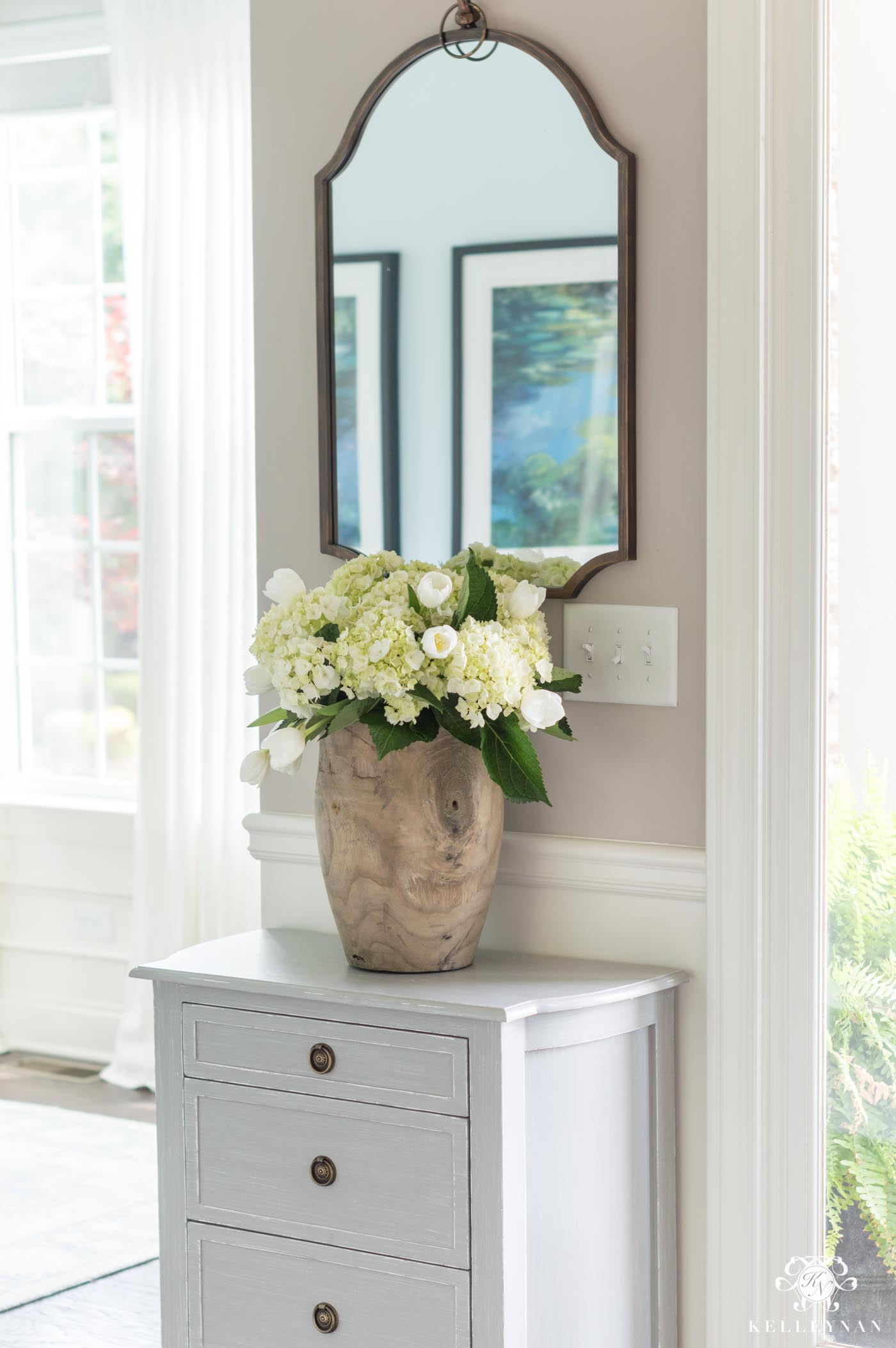 Affordable Entry Decor and Inexpensive Furniture