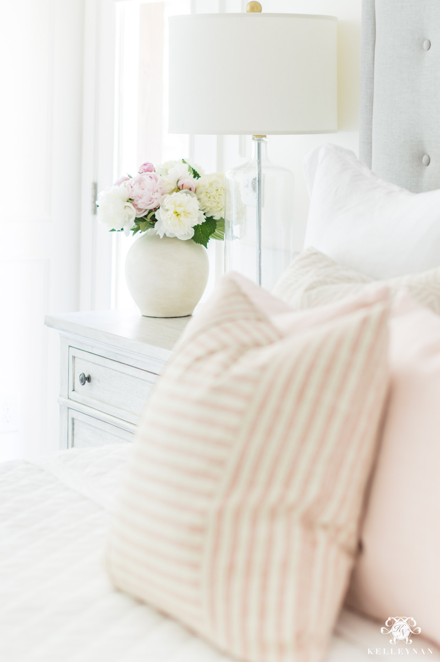 How to use blush pink in a master bedroom decor color scheme