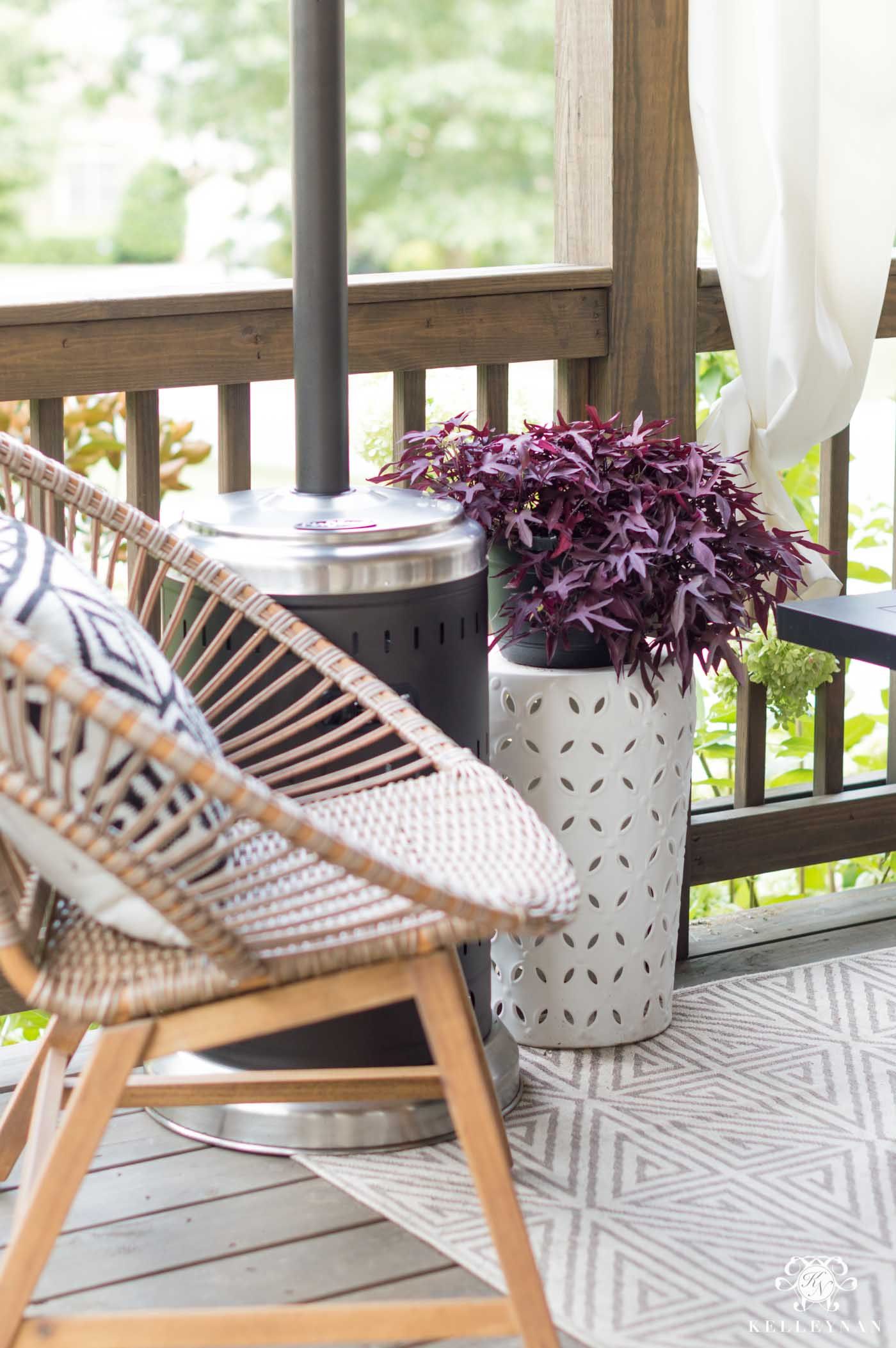 How to take your back deck from summer to fall