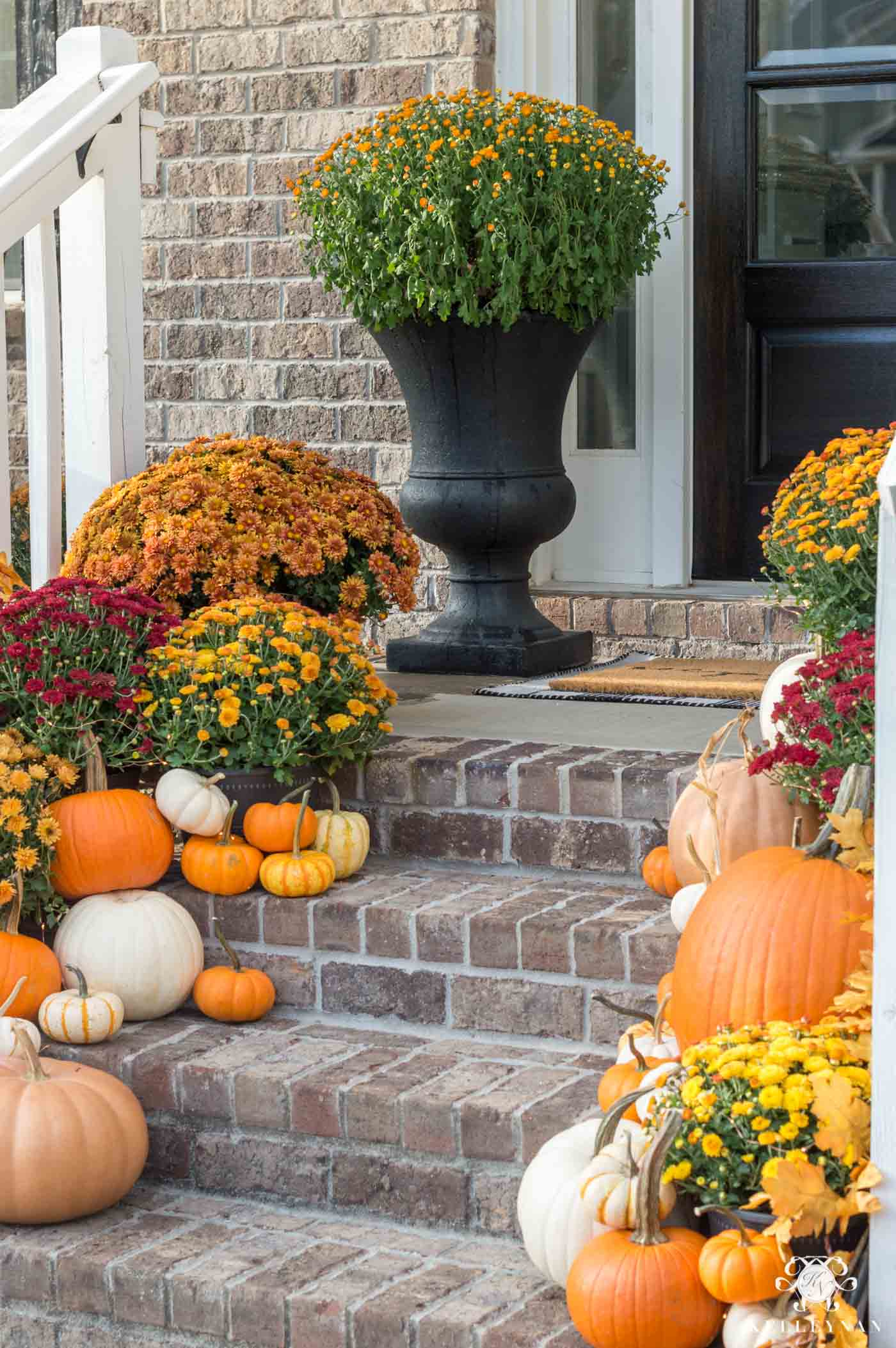 Fall porch decorating ideas and inspo