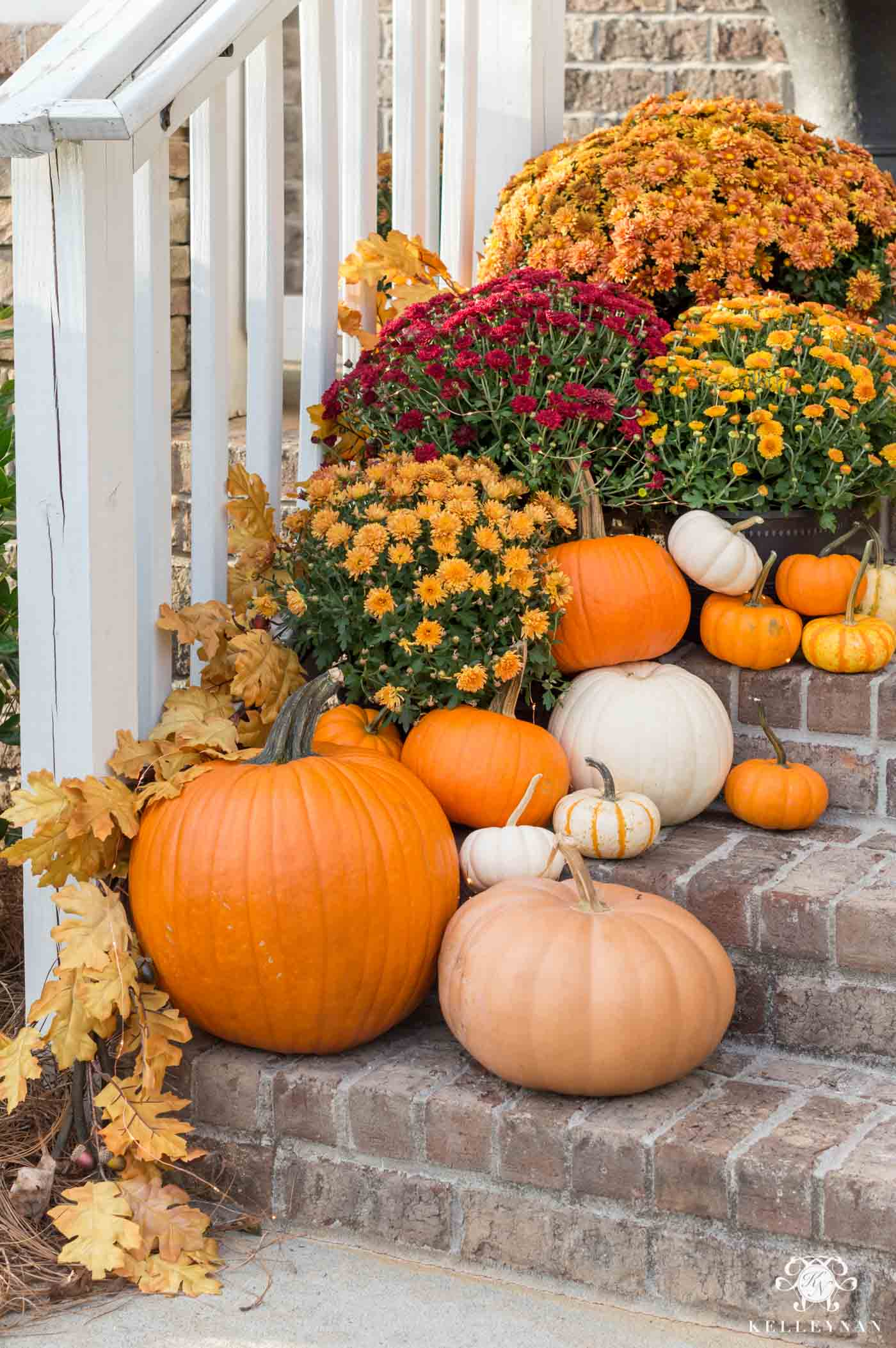 Fall decorating ideas for the front porch steps