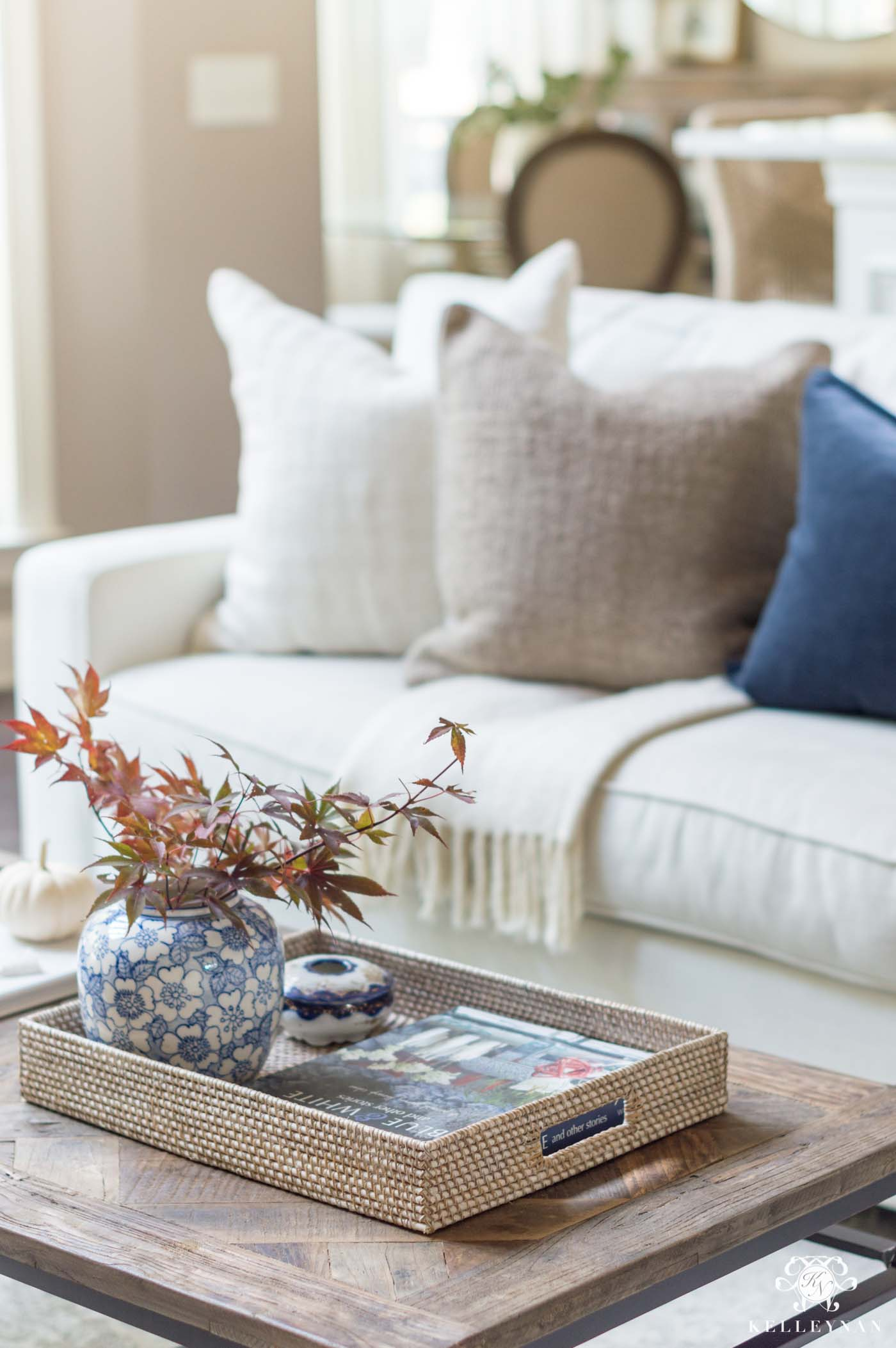 Traditional fall decorating ideas and inspo for the living room