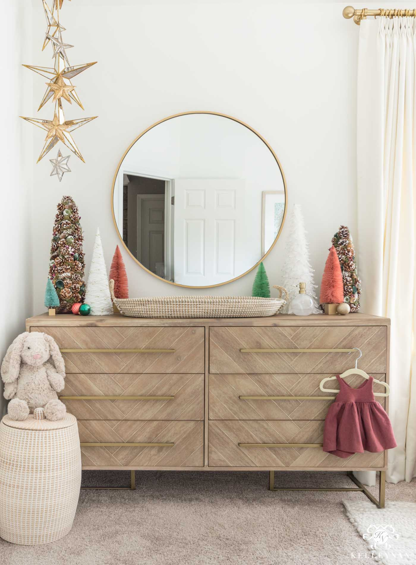 Christmas Decor and Nursery Ideas for the Changing Table