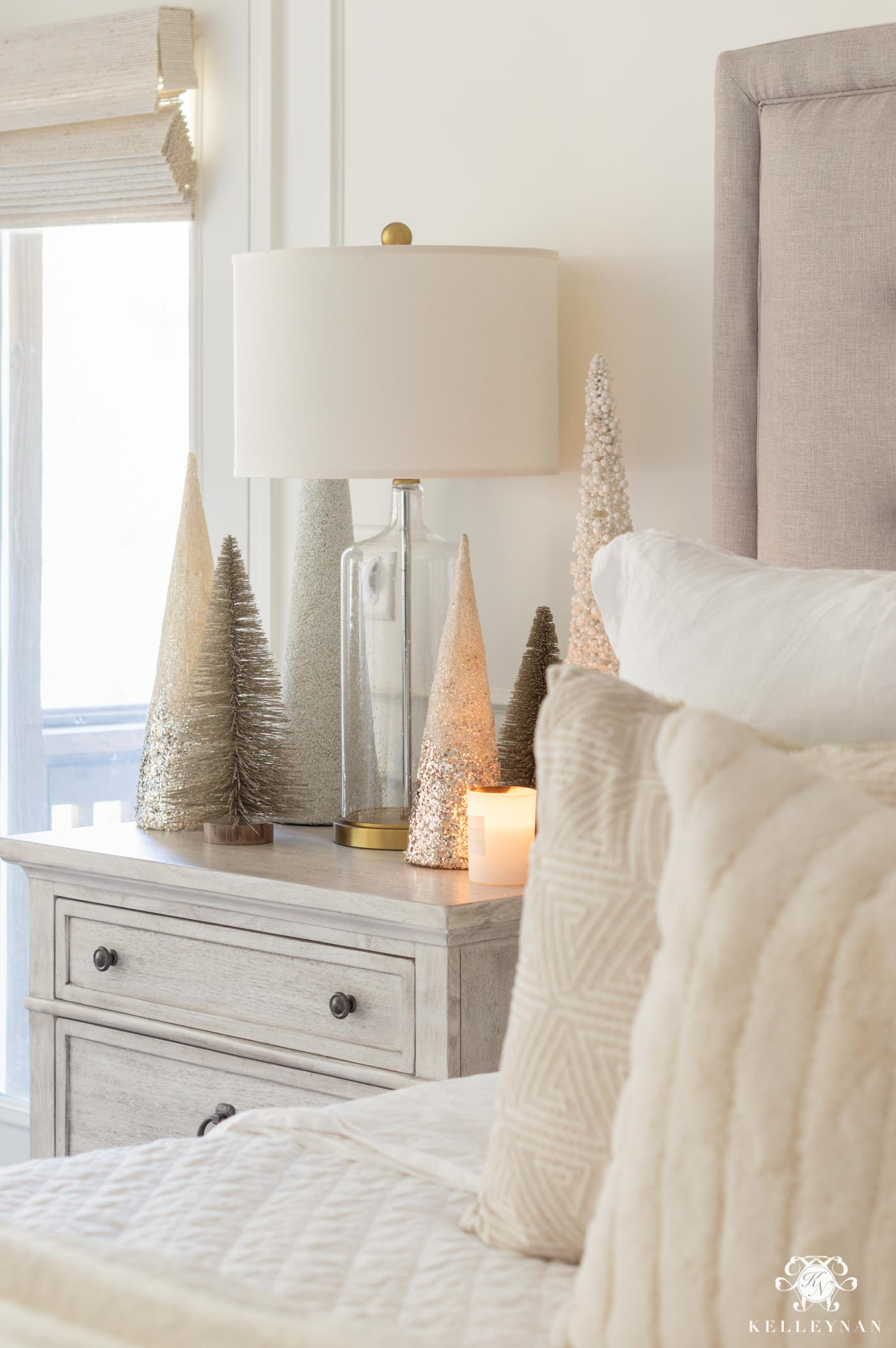 White and Gold Bedroom Christmas Decor