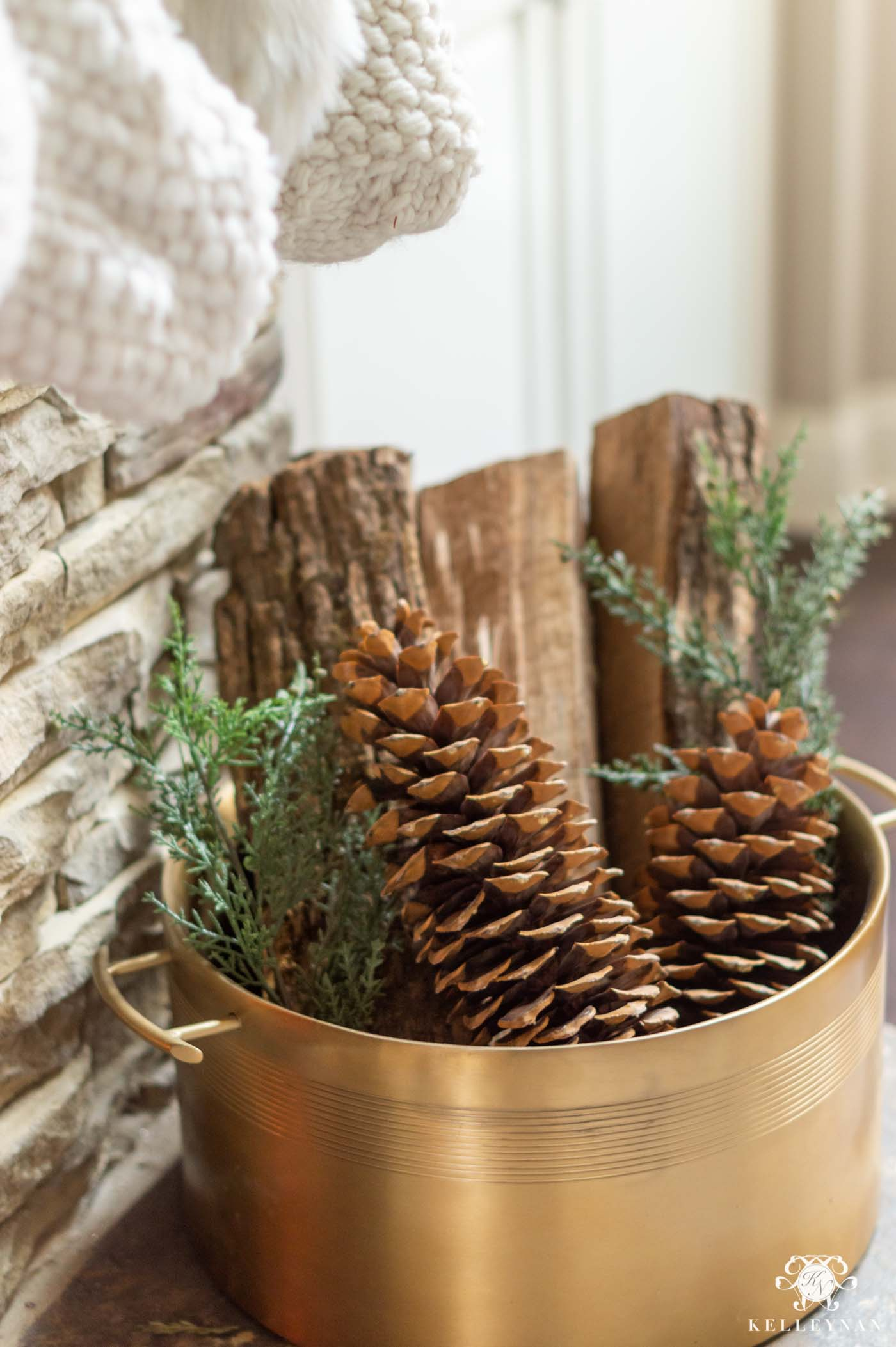 Christmas Fireplace Decor Ideas
