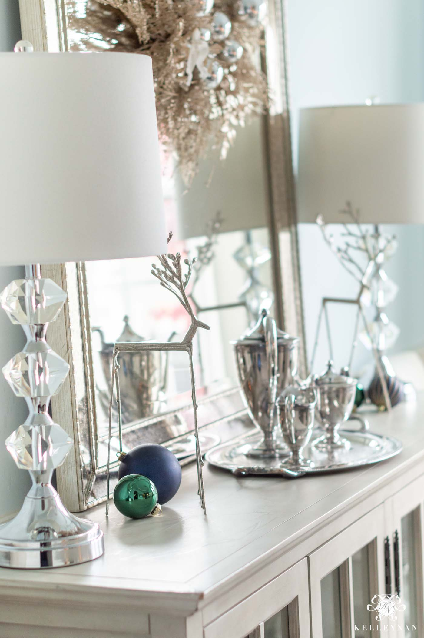 Simple Christmas Dining Room Console