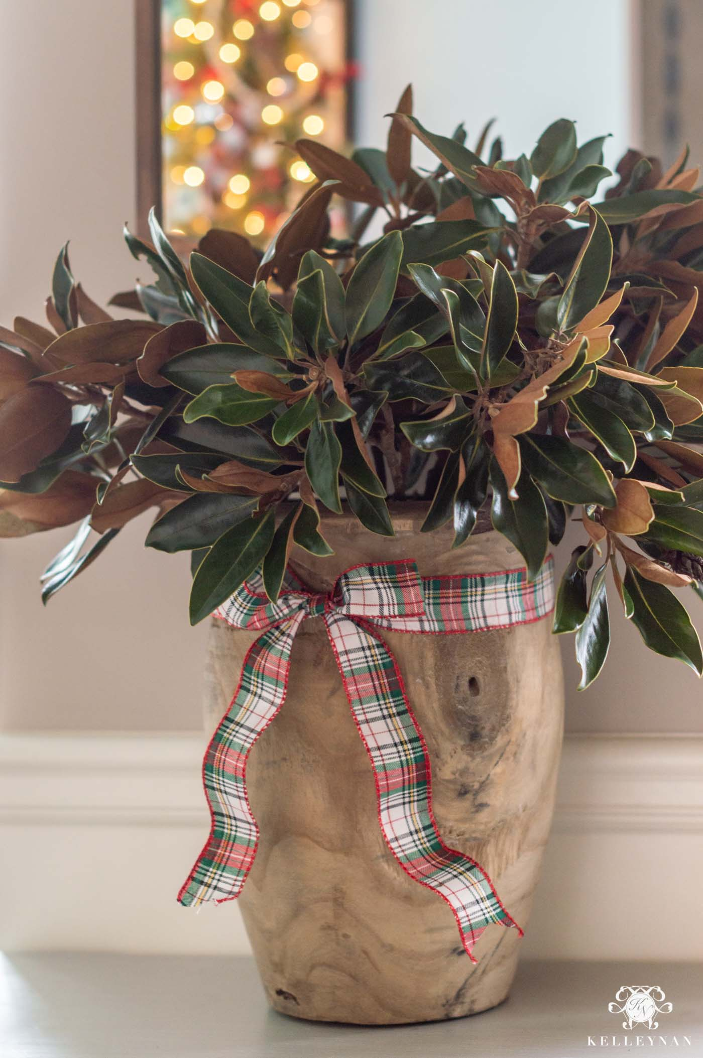 Easy Christmas Centerpiece Arrangement Idea