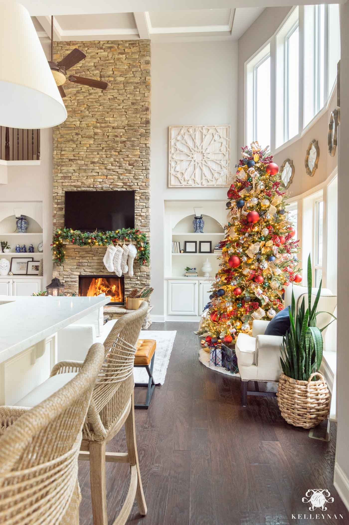 Red and Navy Plaid Christmas Home Tour