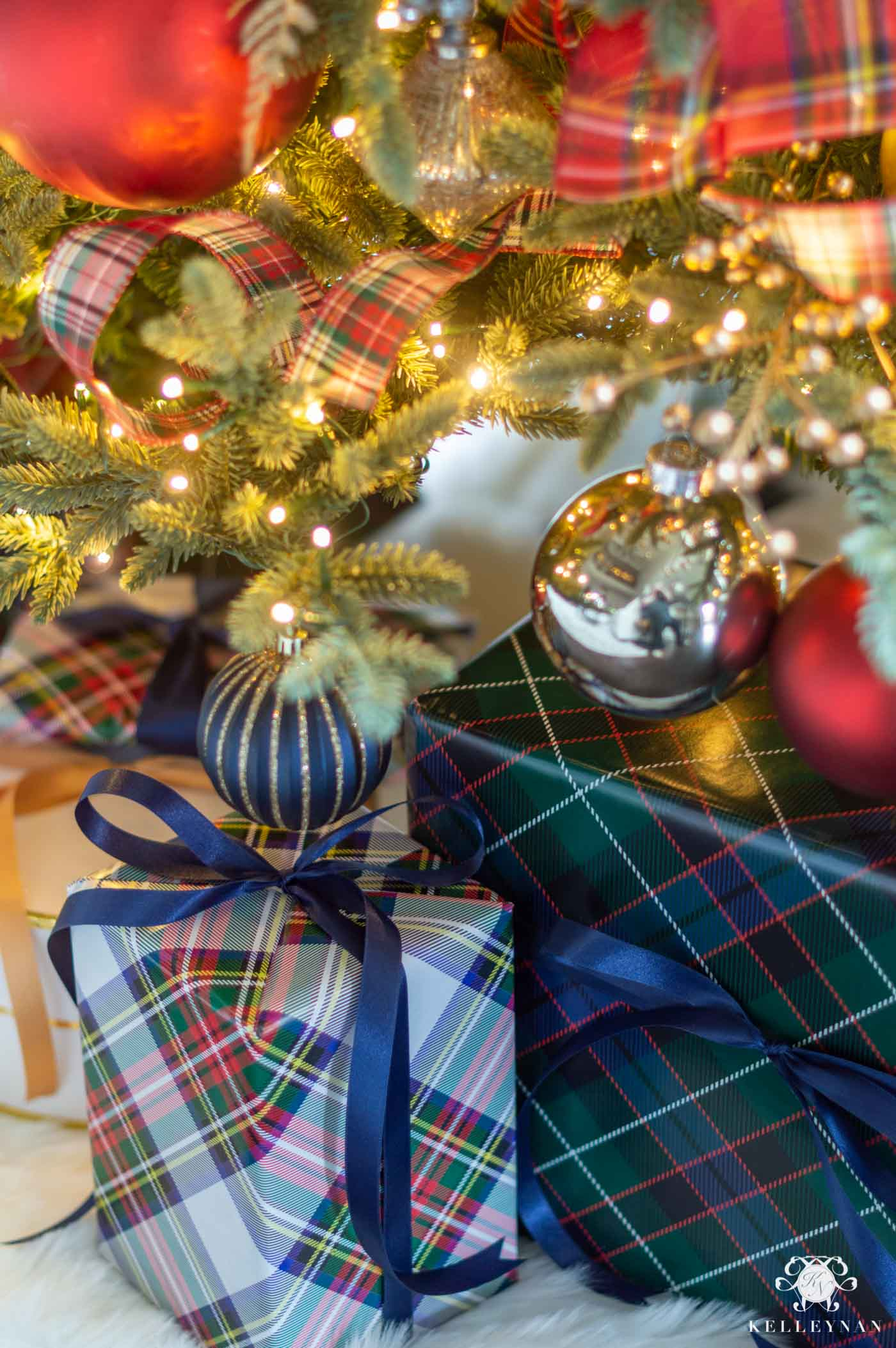 Plaid Tartan Gift Wrap Ideas