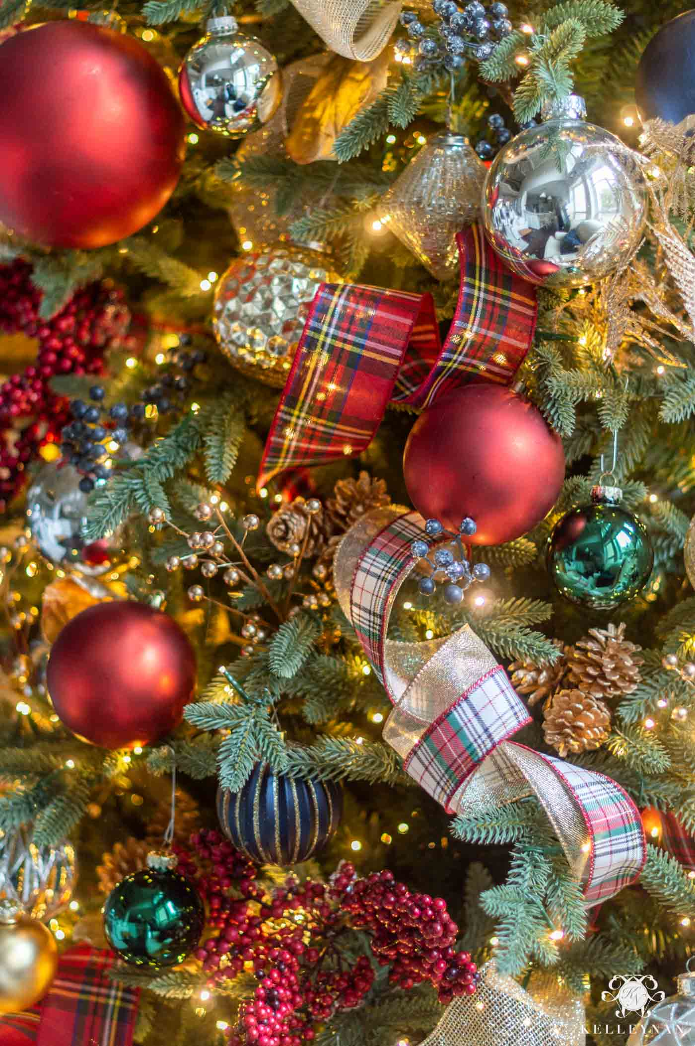 Plaid Christmas Tree Decor