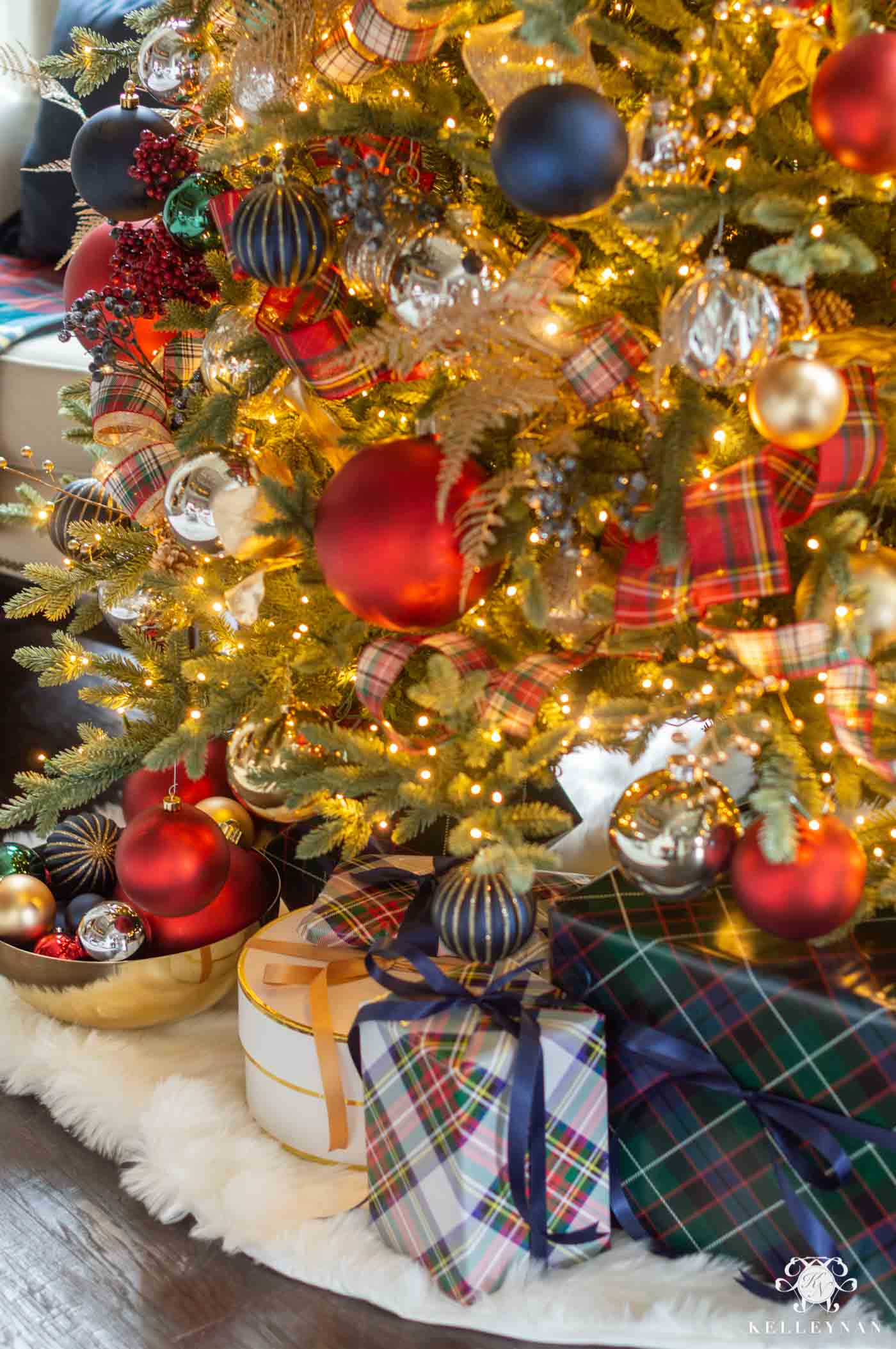 Plaid Christmas Tree and Other Tartan Holiday Decor