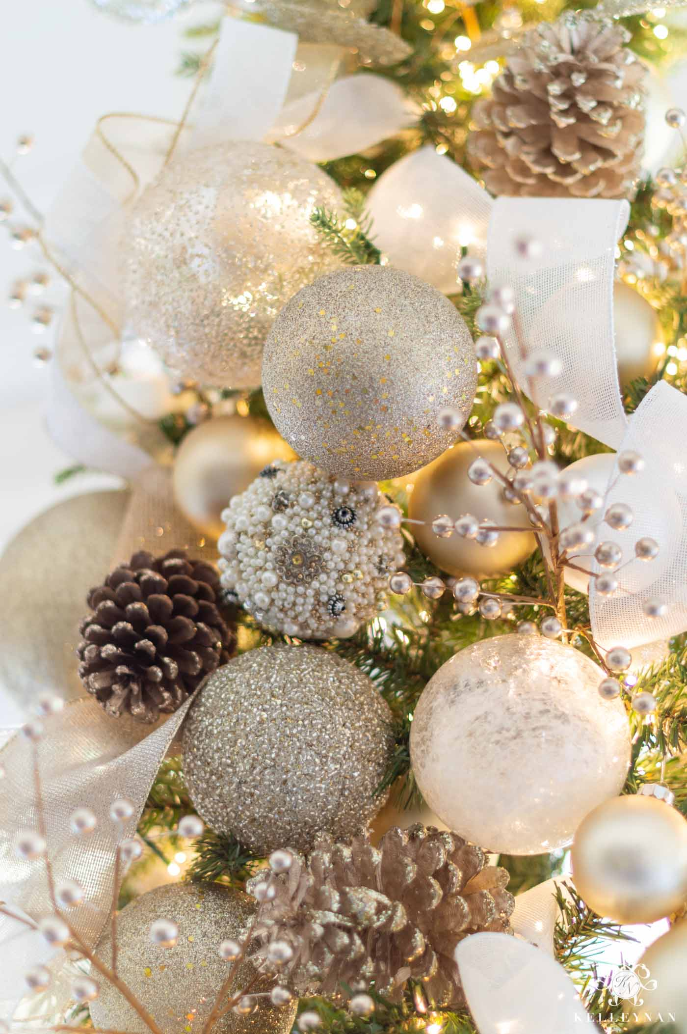 White and Champagne Gold Christmas Tree Decor