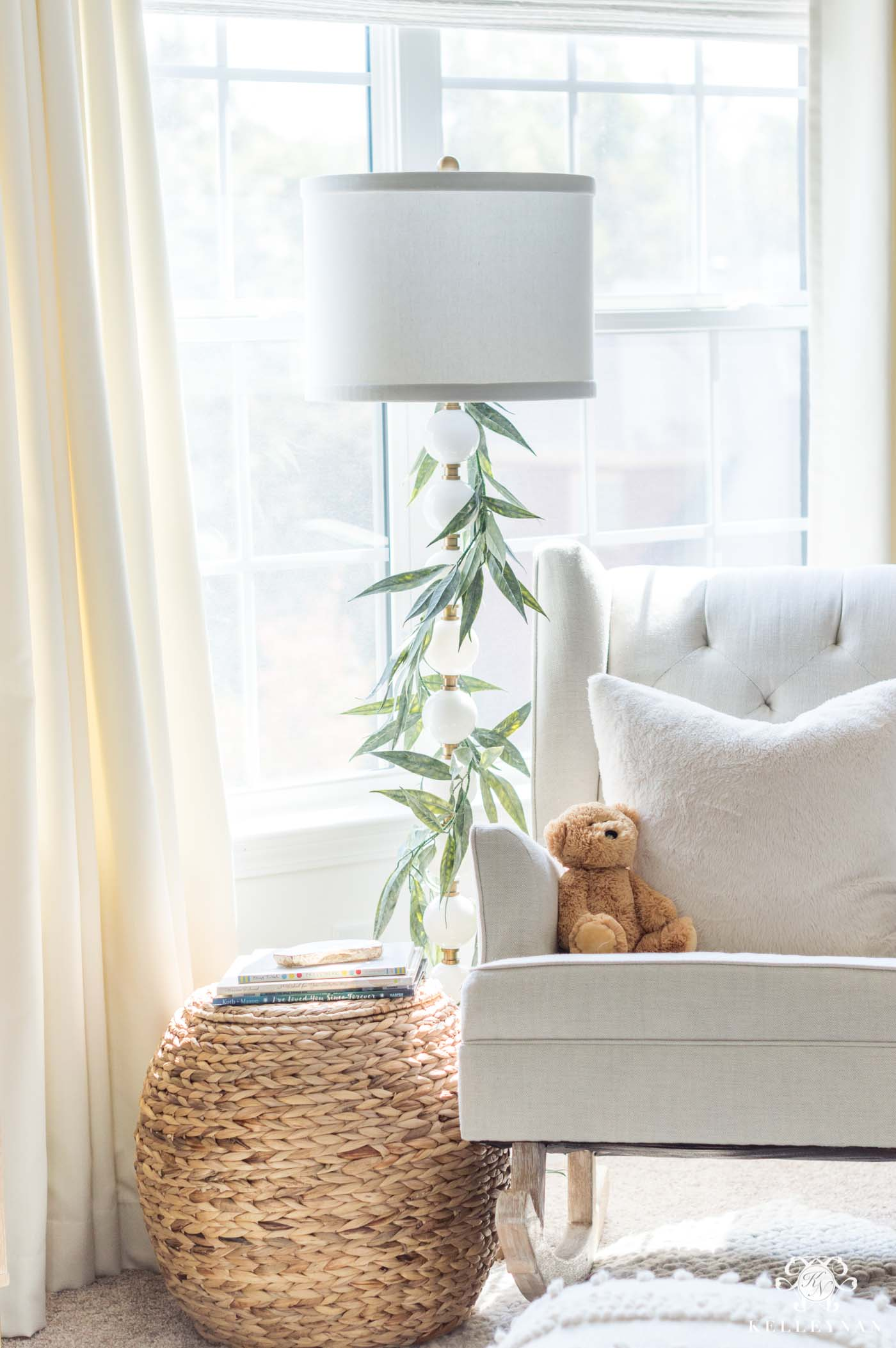 Woodland decor for a Christmas baby nursery
