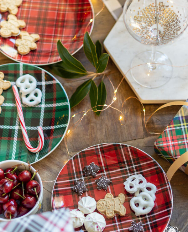 Plaid Christmas Table Decor