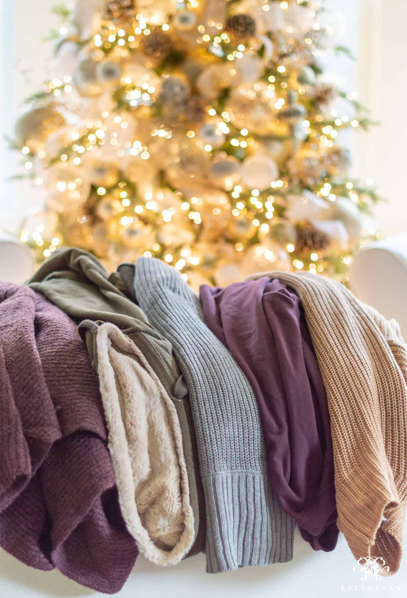 Coziest sweaters, sweatshirts, hoodies, cardigans and scarves of winter 2019