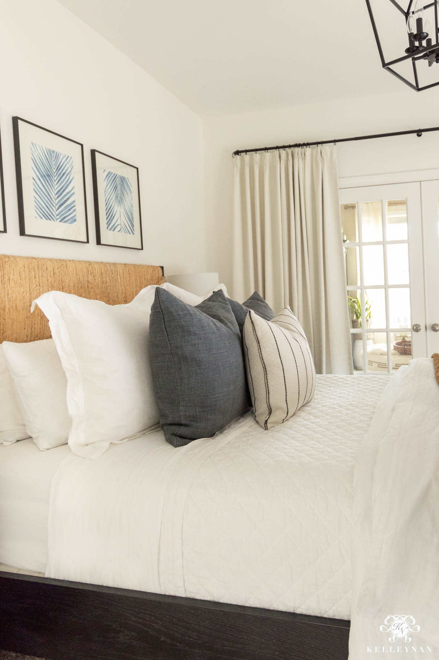 Luxurious Guest Bedroom Linen Bedding -- How to Make a Bed