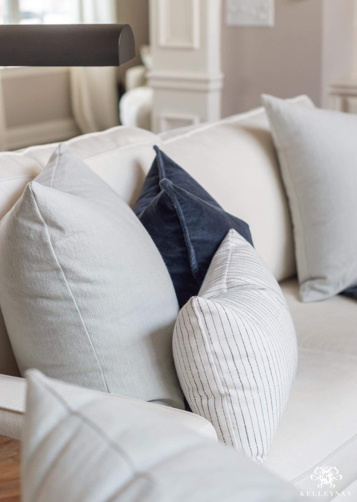 Fresh Spring Pillow Color and Pattern Combos