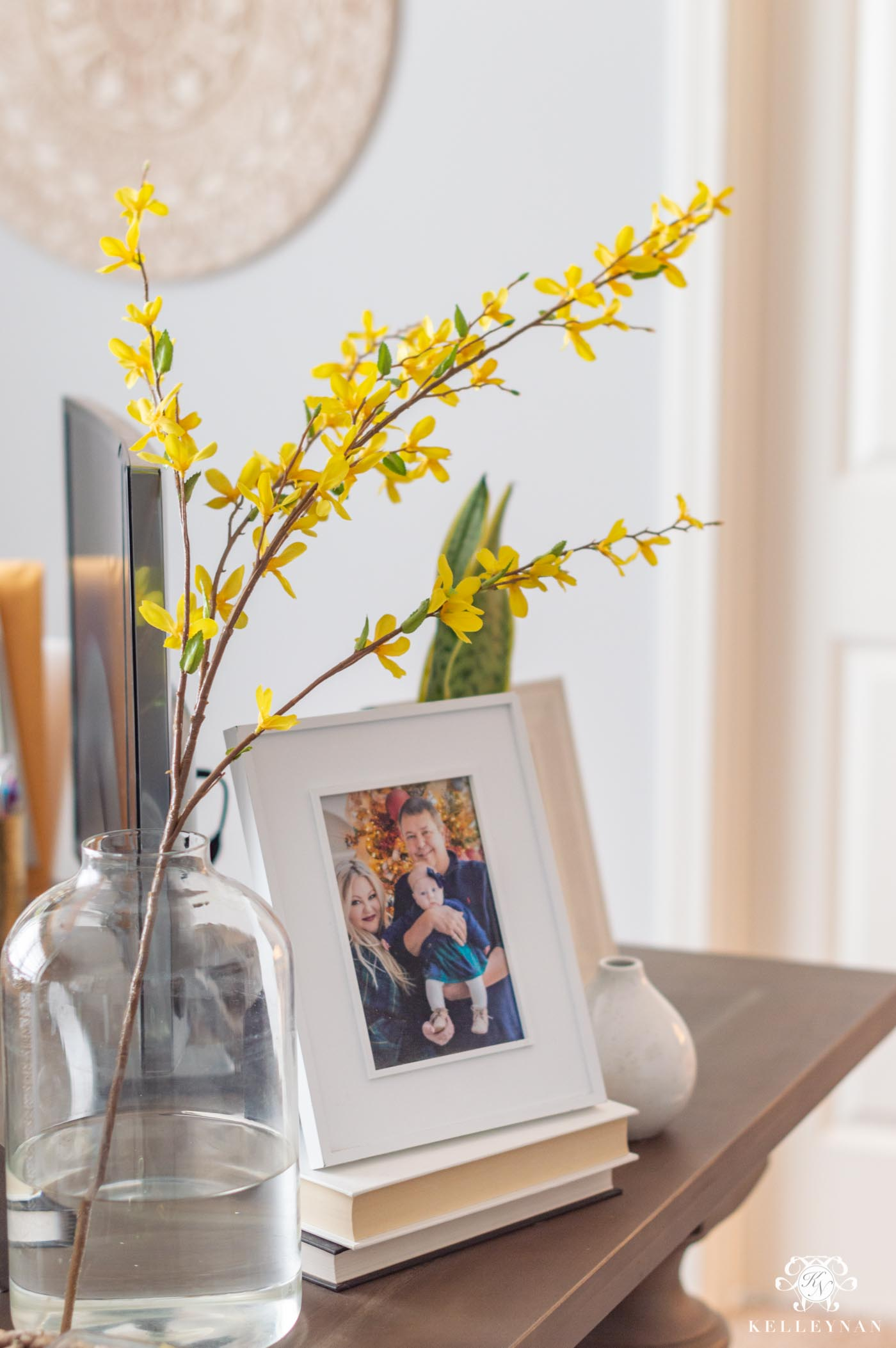 How to Use Faux Flowers to Decorate