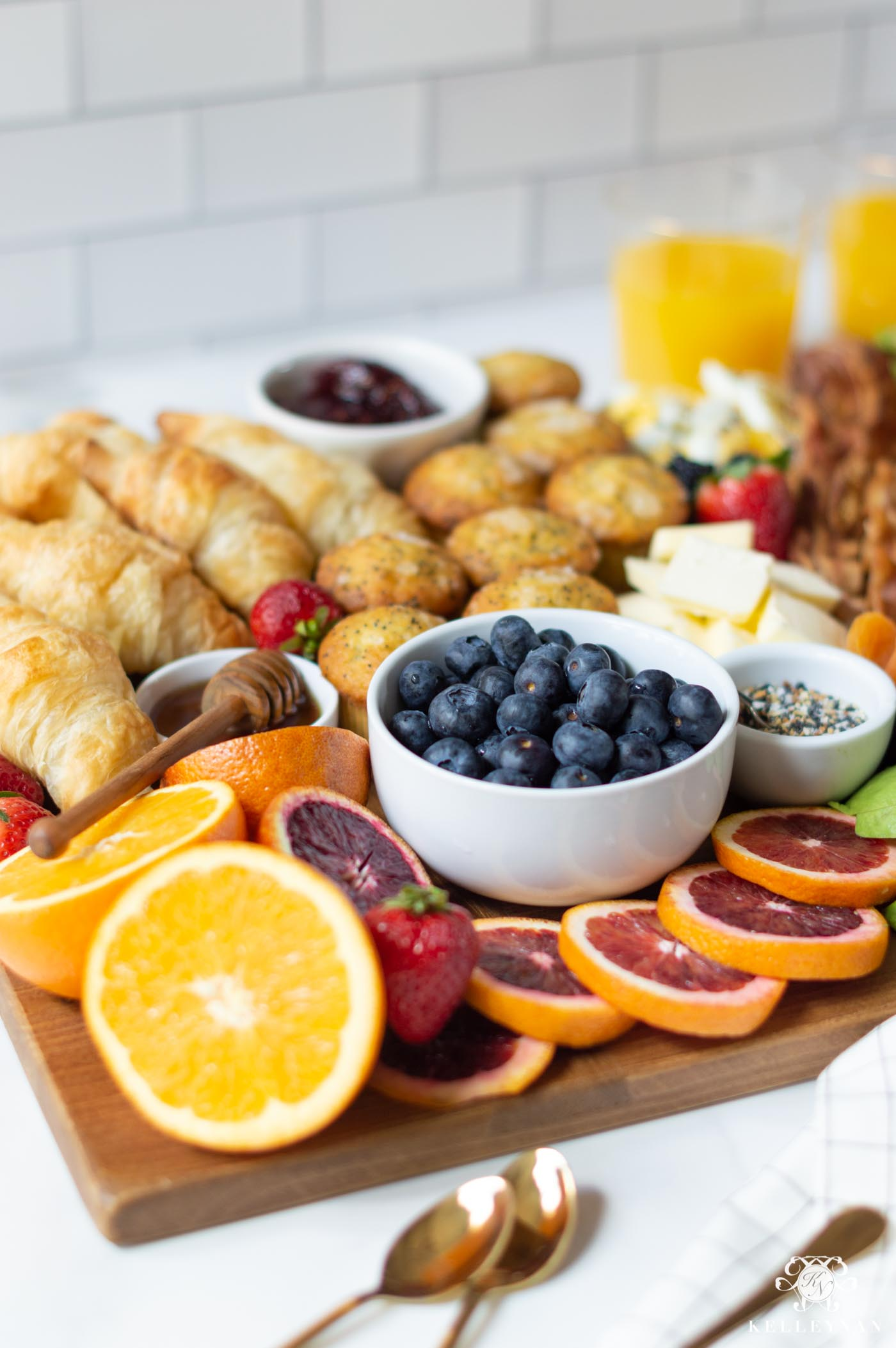 How to Create a Breakfast Board