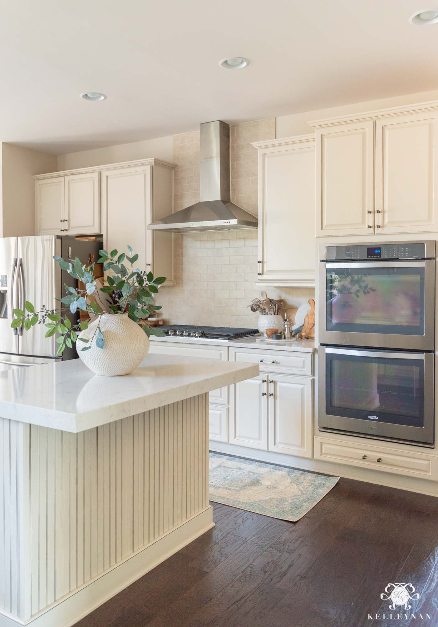 Easy Spring Decorating Ideas in the Kitchen