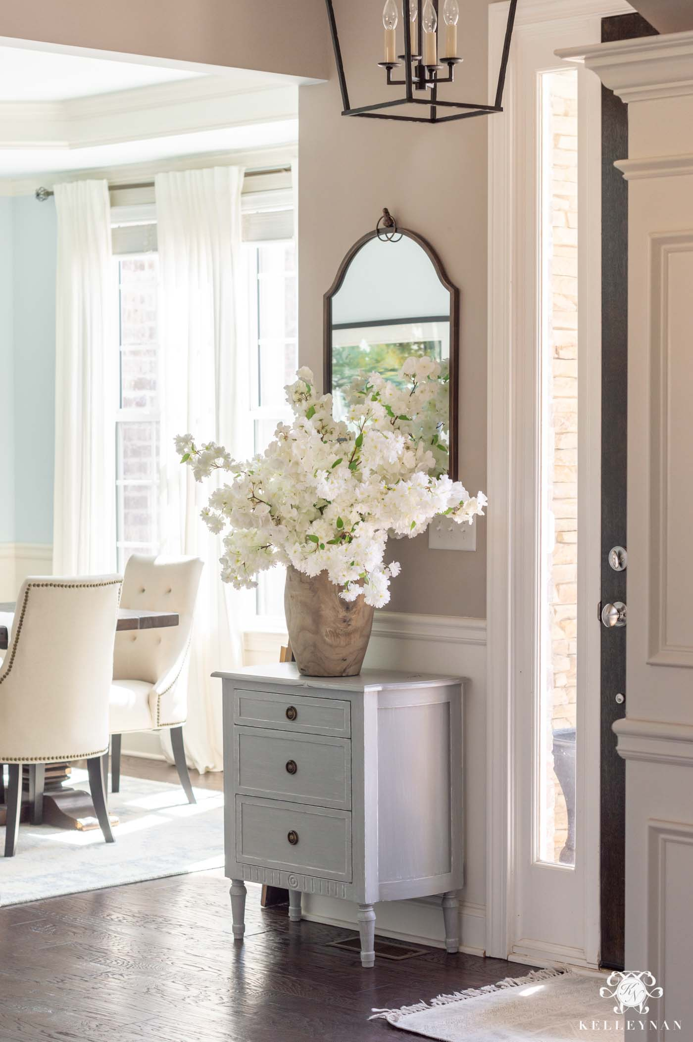 Simple Small Entry Decor for Spring