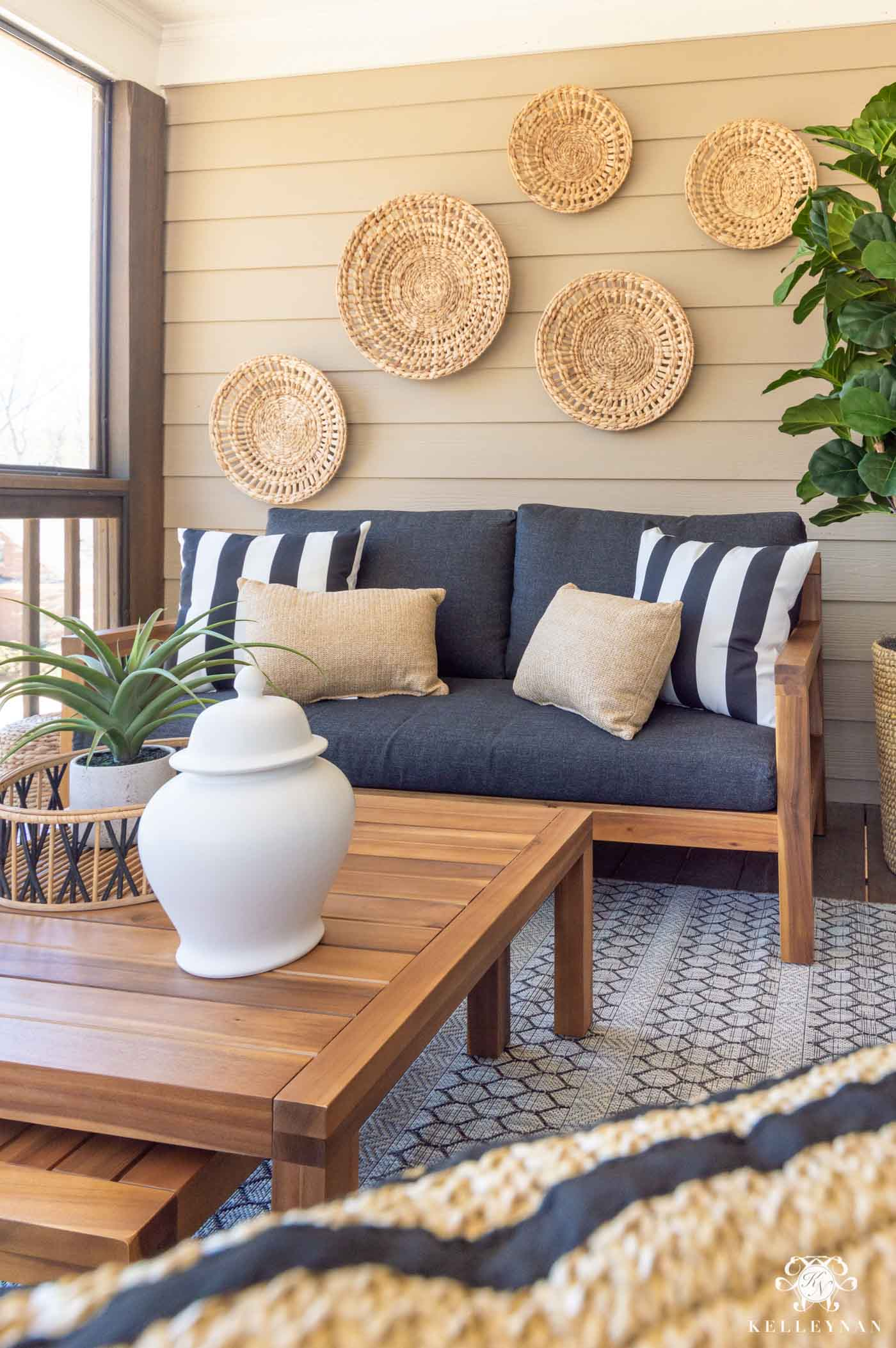 Outdoor Living and Cozy Decorating Ideas