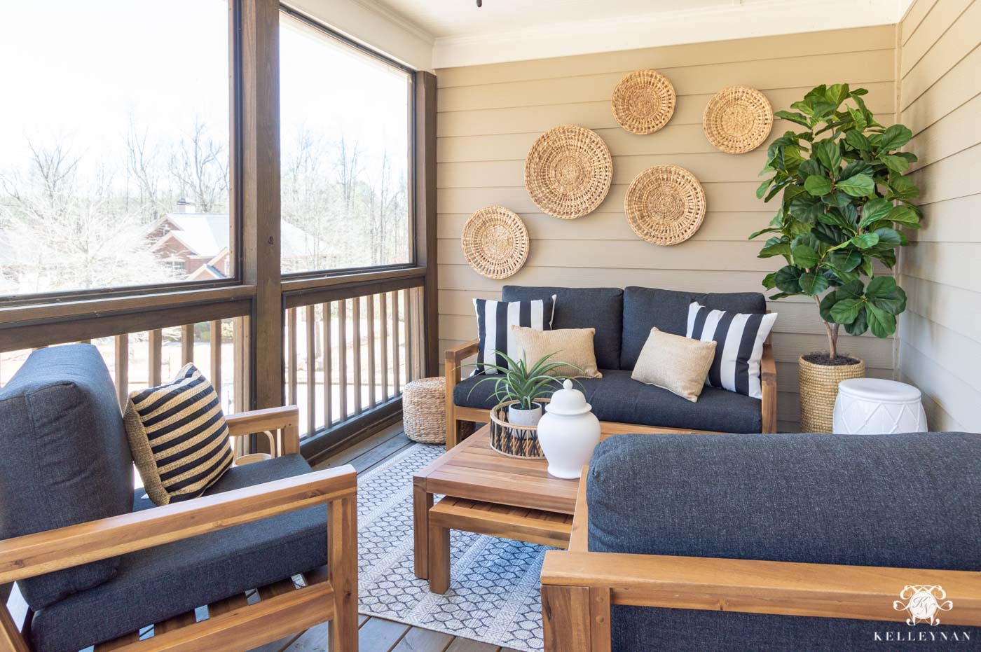 How to Make a Screened In Porch Cozy with Outdoor Decor