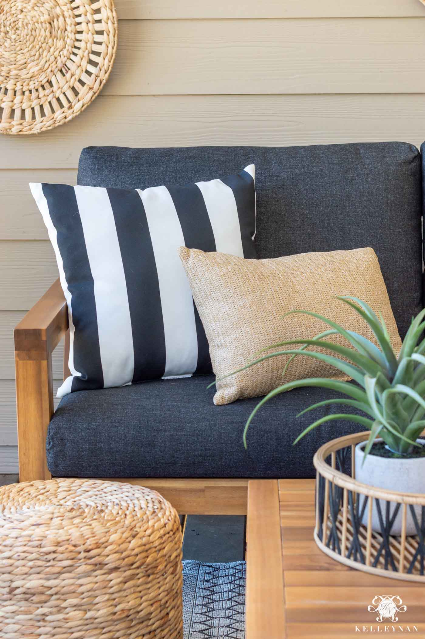How to Make Your Outdoor Living Space Cozy on a Budget