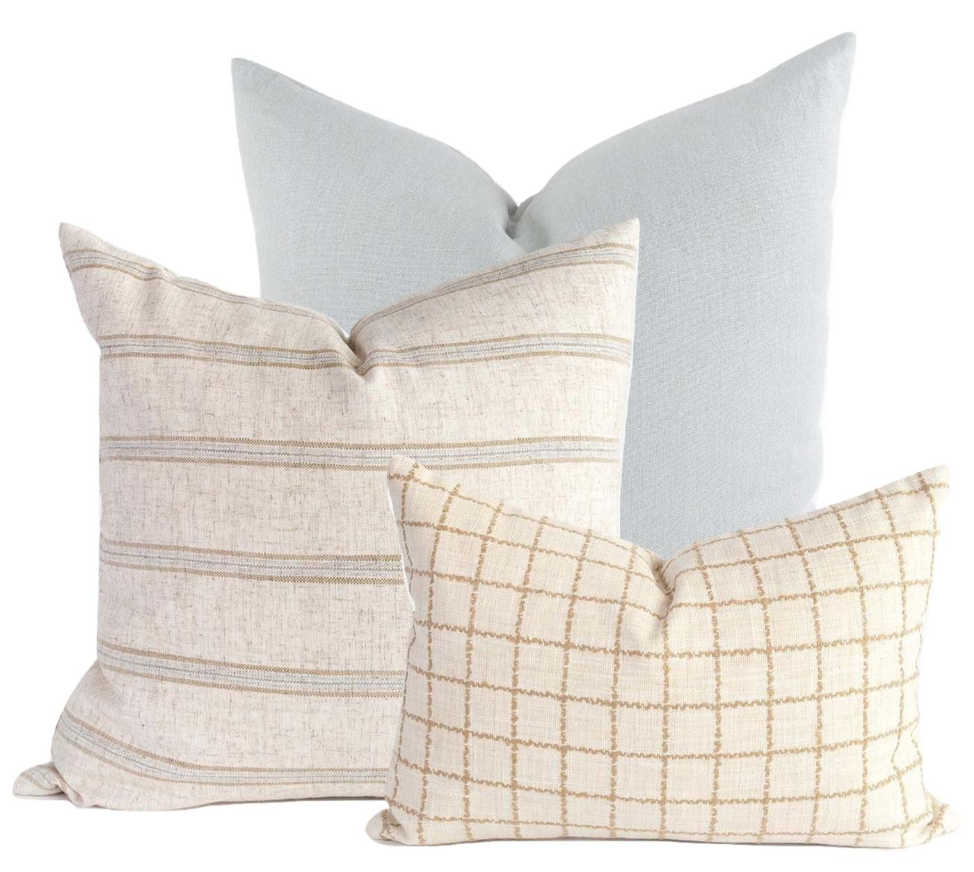 Unique, fresh pillow combo for the Living Room