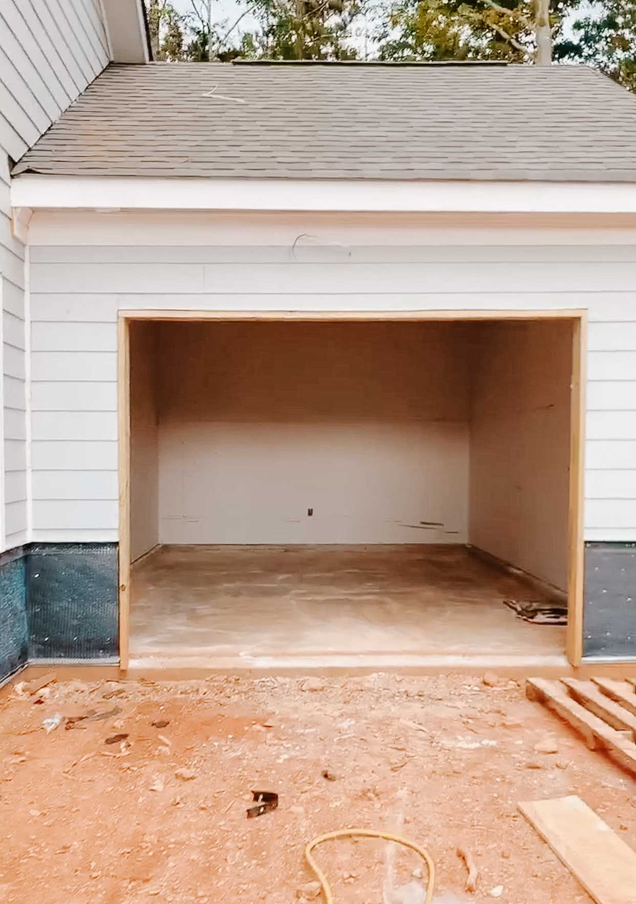 Carriage Garage for Storage on a Ranch Home