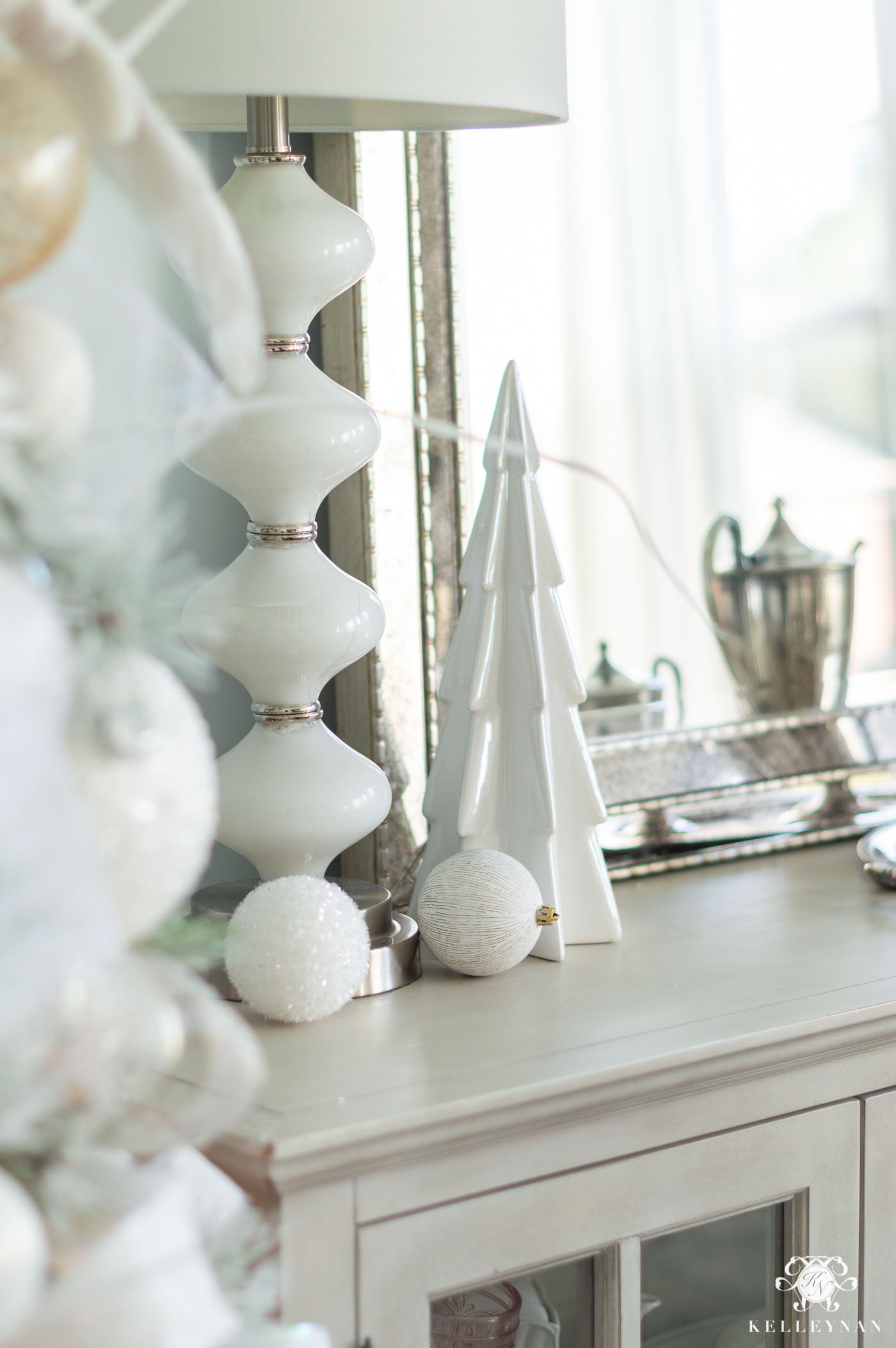 Simple White Christmas Decor in the Dining Room