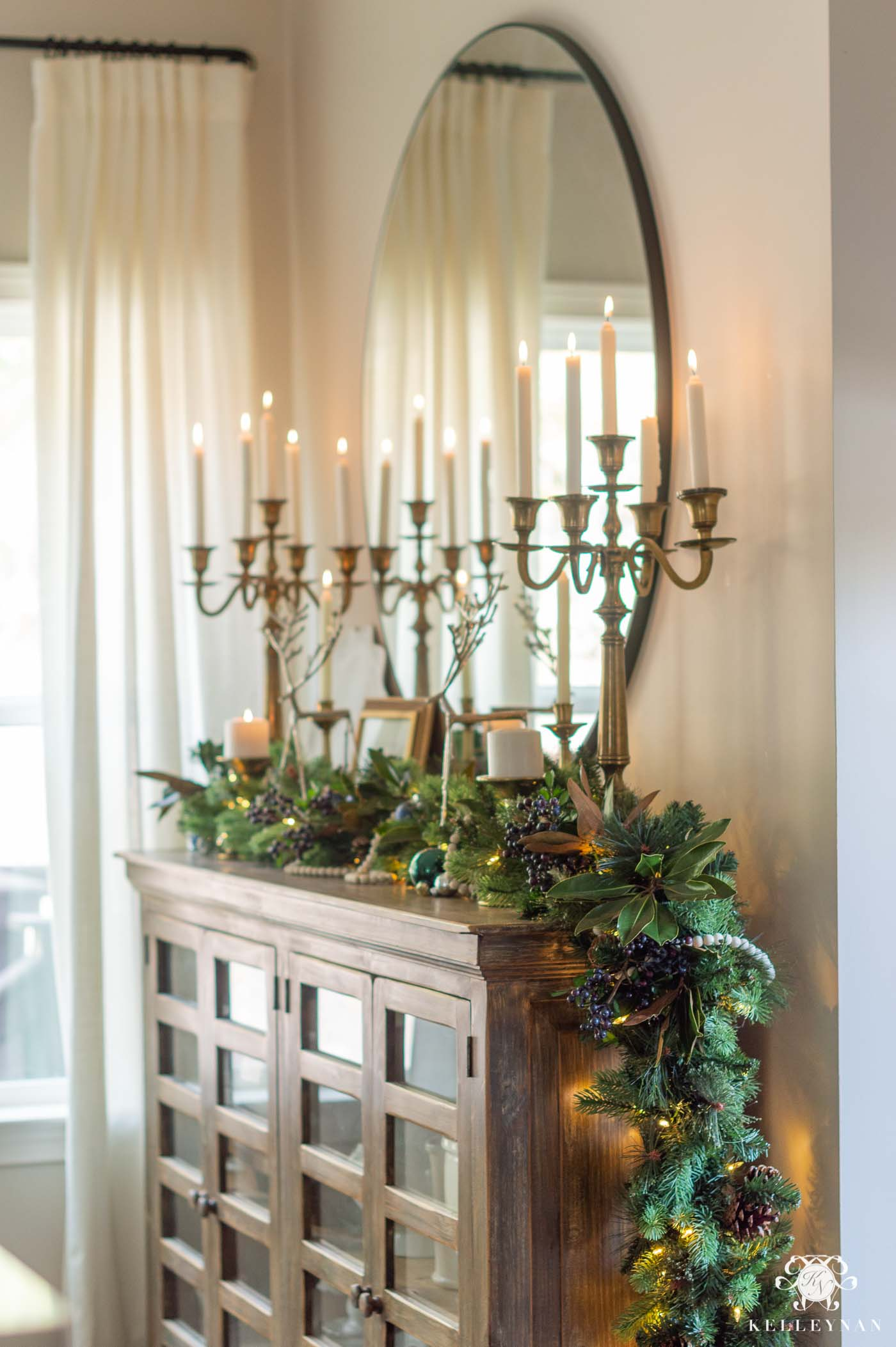 Breakfast Nook Greenery Christmas Decor