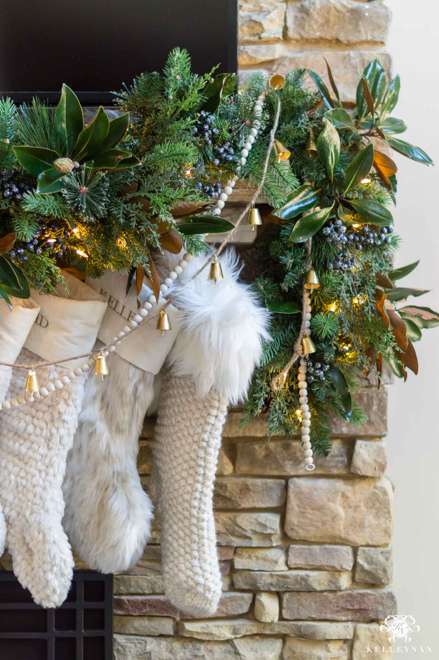 Ideas for Decorating Your Christmas Garland
