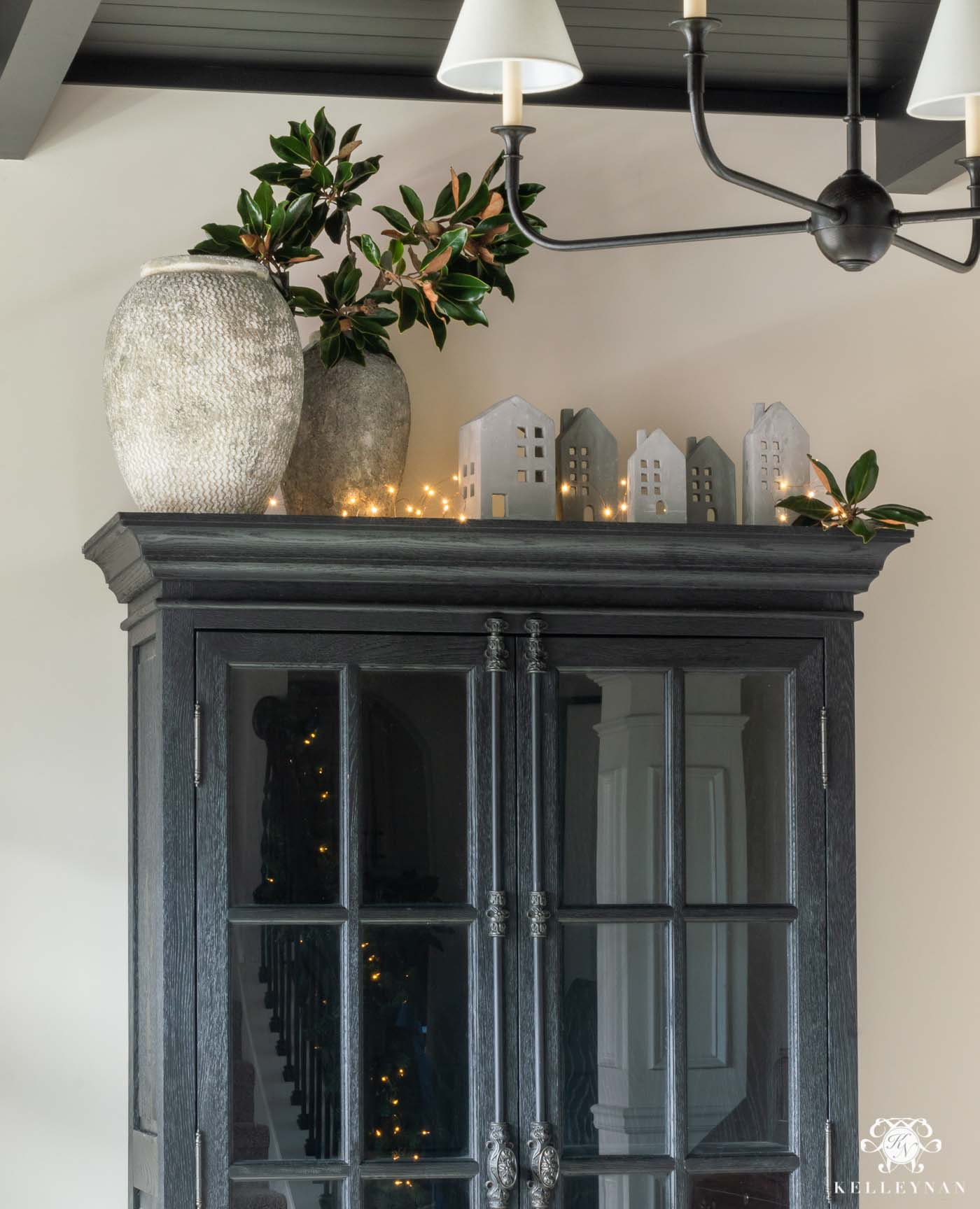 How to Decorate the Top of a Cabinet for Christmas