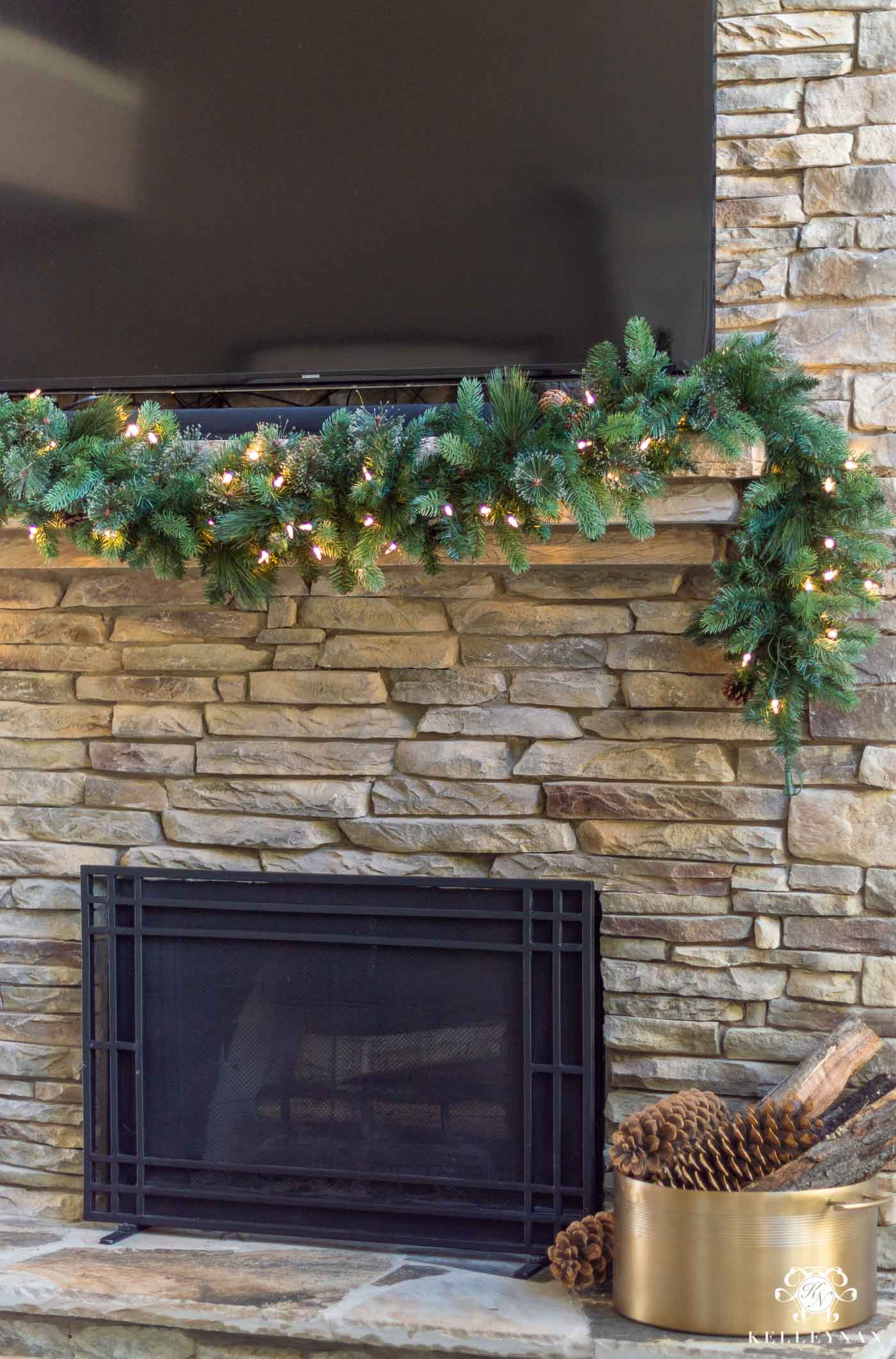 How to Take Your Christmas Garland from Basic to Beautiful