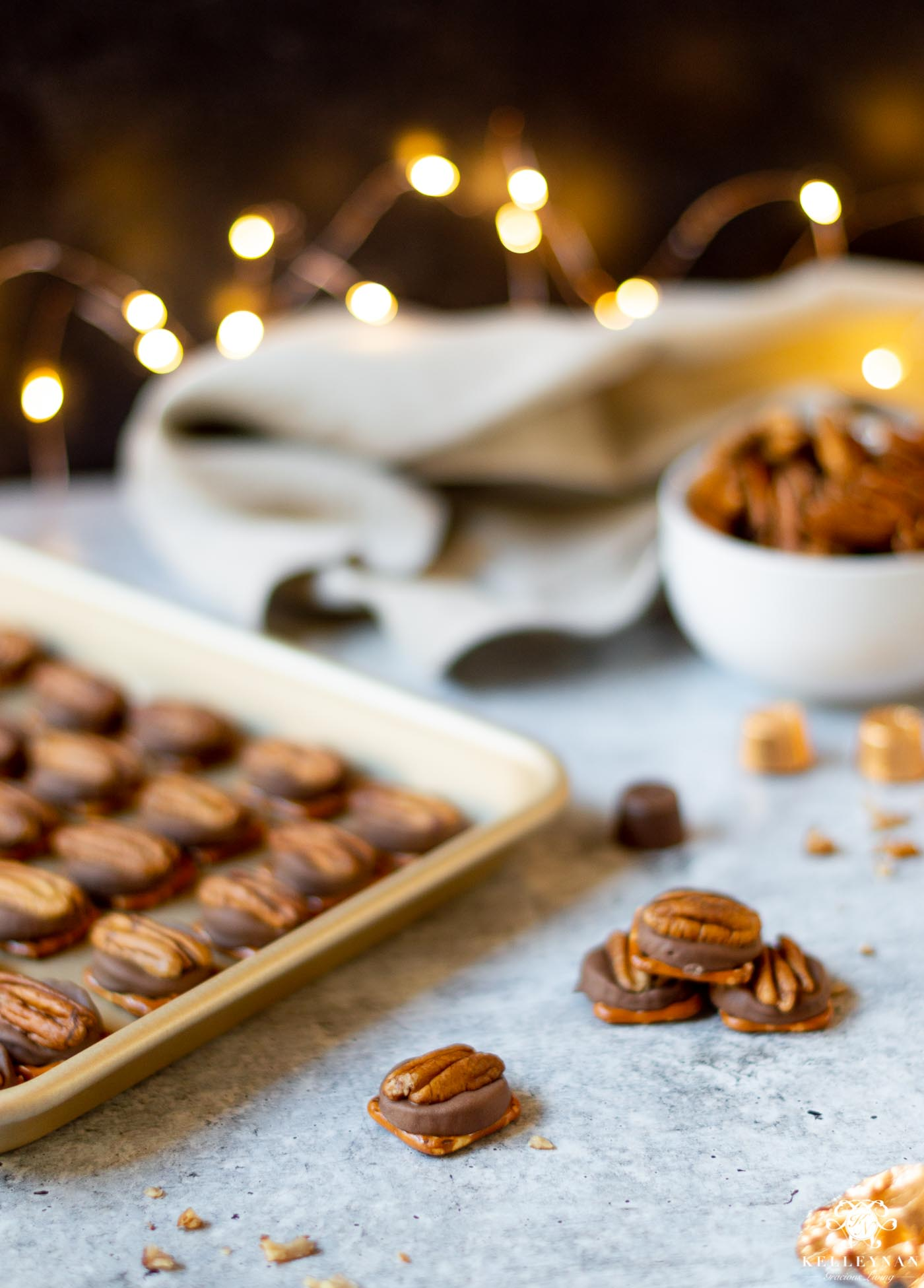 5 EASY Christmas Treats with 5 Ingredients (or less!) Turtles are finished in minutes!