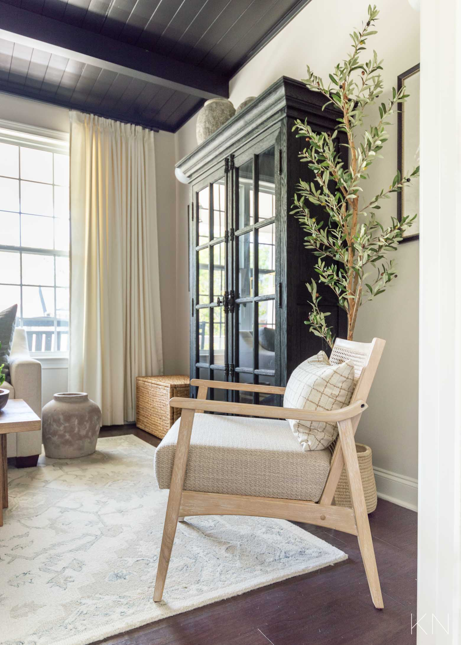 Transitional Decor for a Conversation Room Makeover