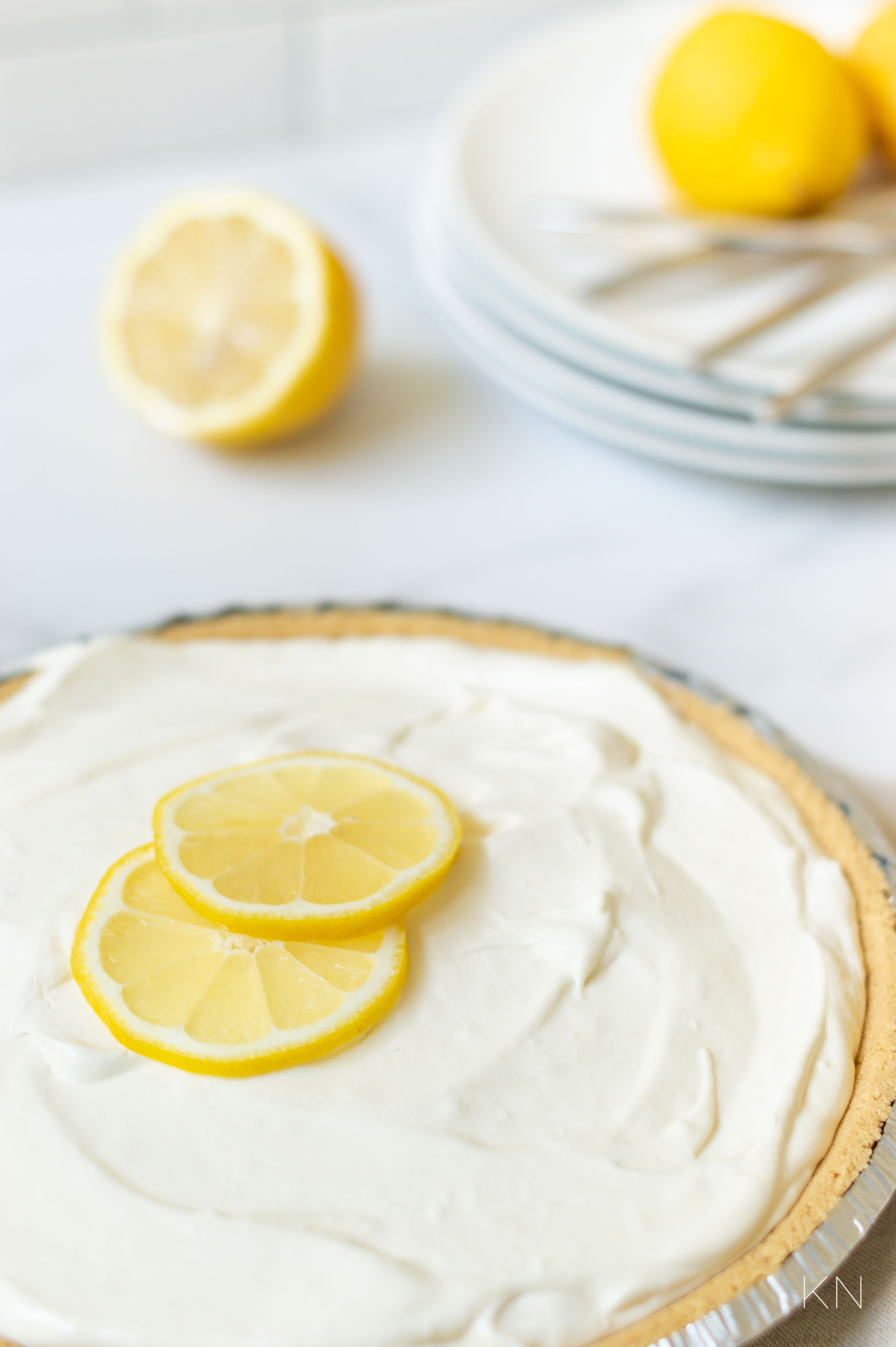 Easy No Bake Lemonade Icebox Pie (with Only 4 Ingredients!)