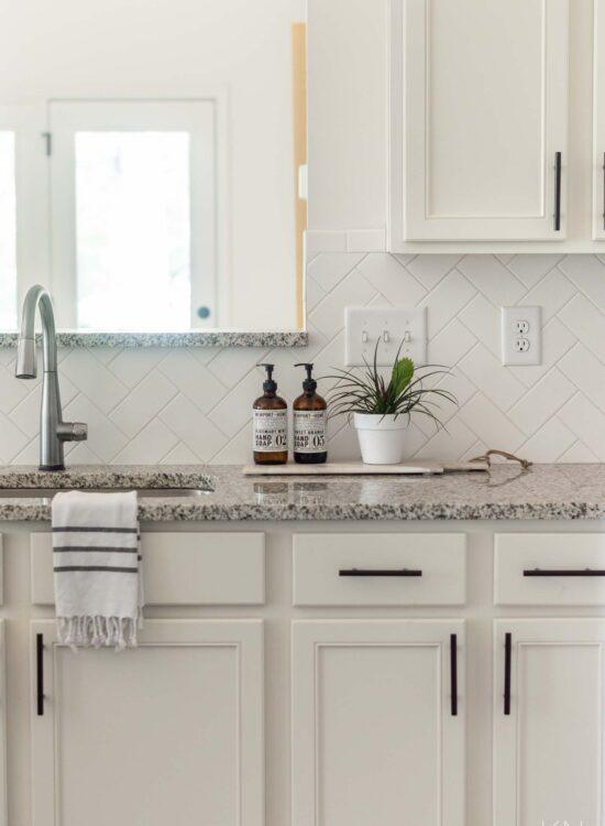Easy Kitchen Upgrades & Updates to Make in a Weekend