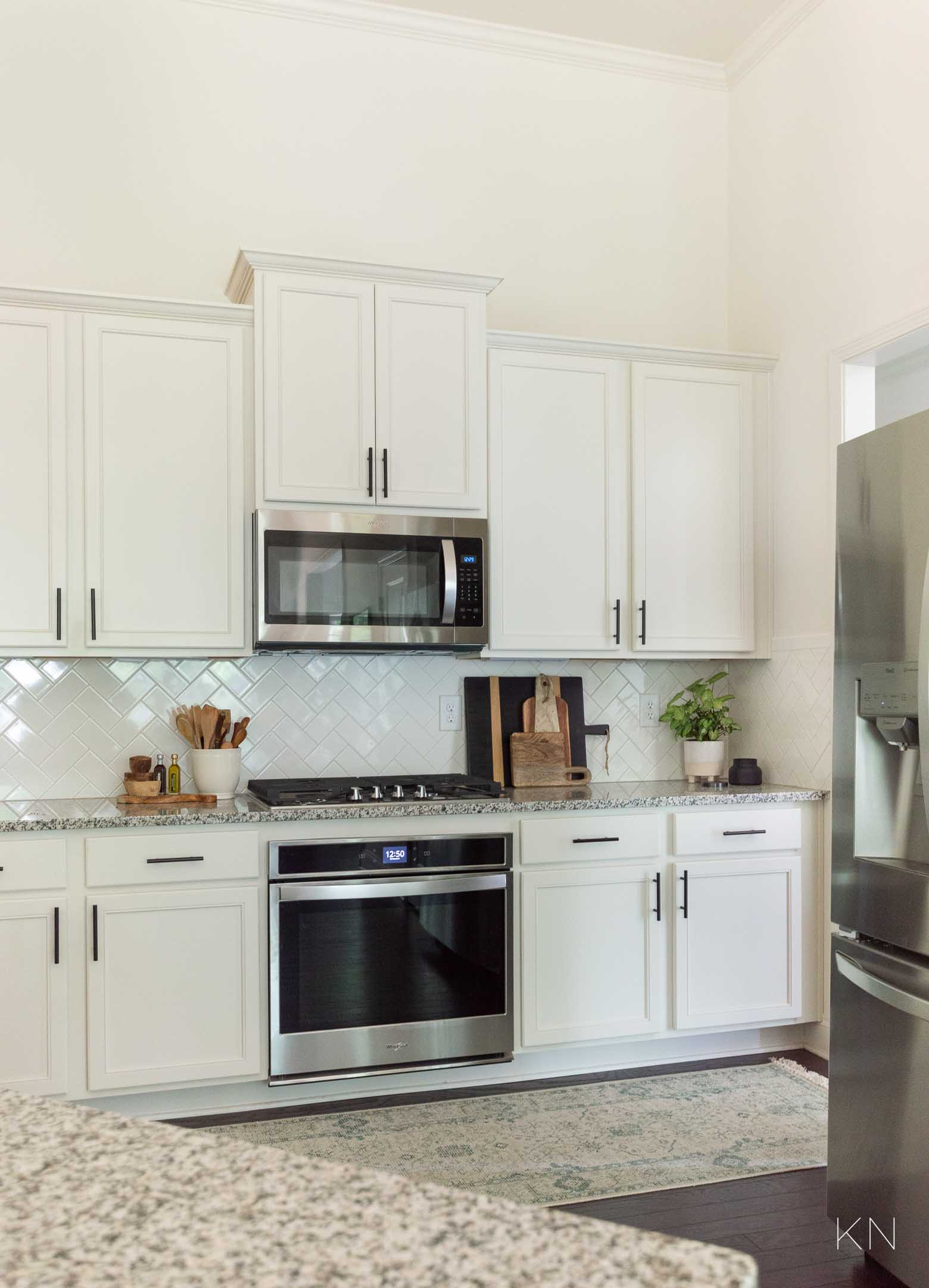 Easy Updates to a Builder Grade Kitchen You Can Make in a Weekend