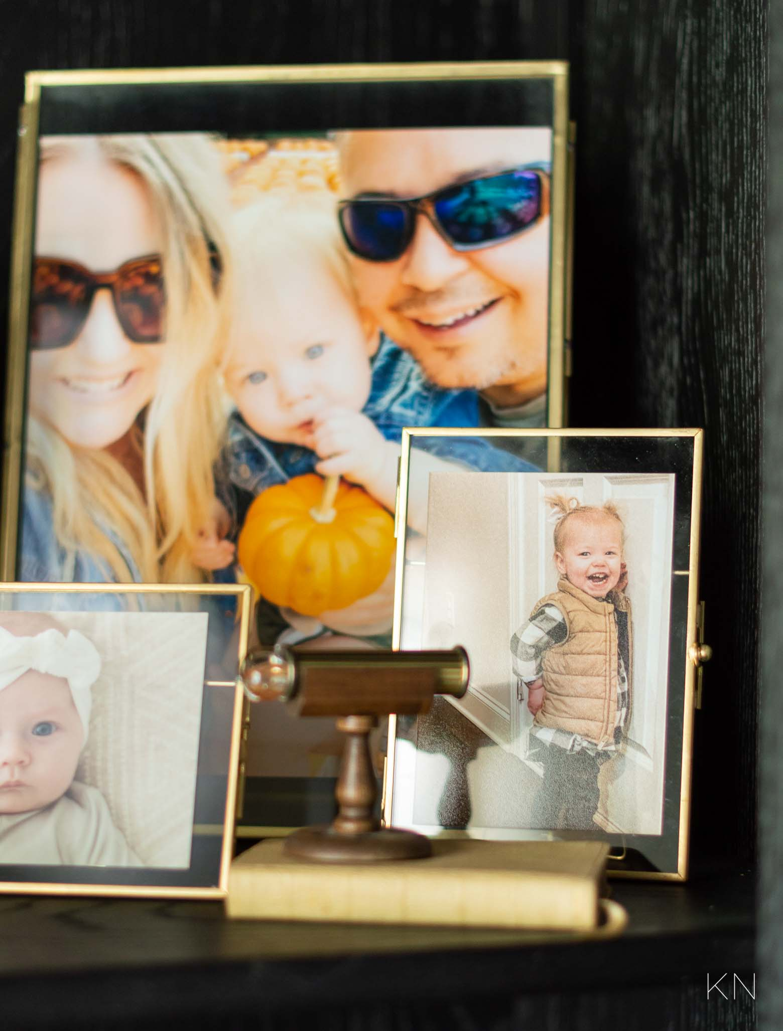 How to Display Old Family Heirlooms with New Design in Home Decor
